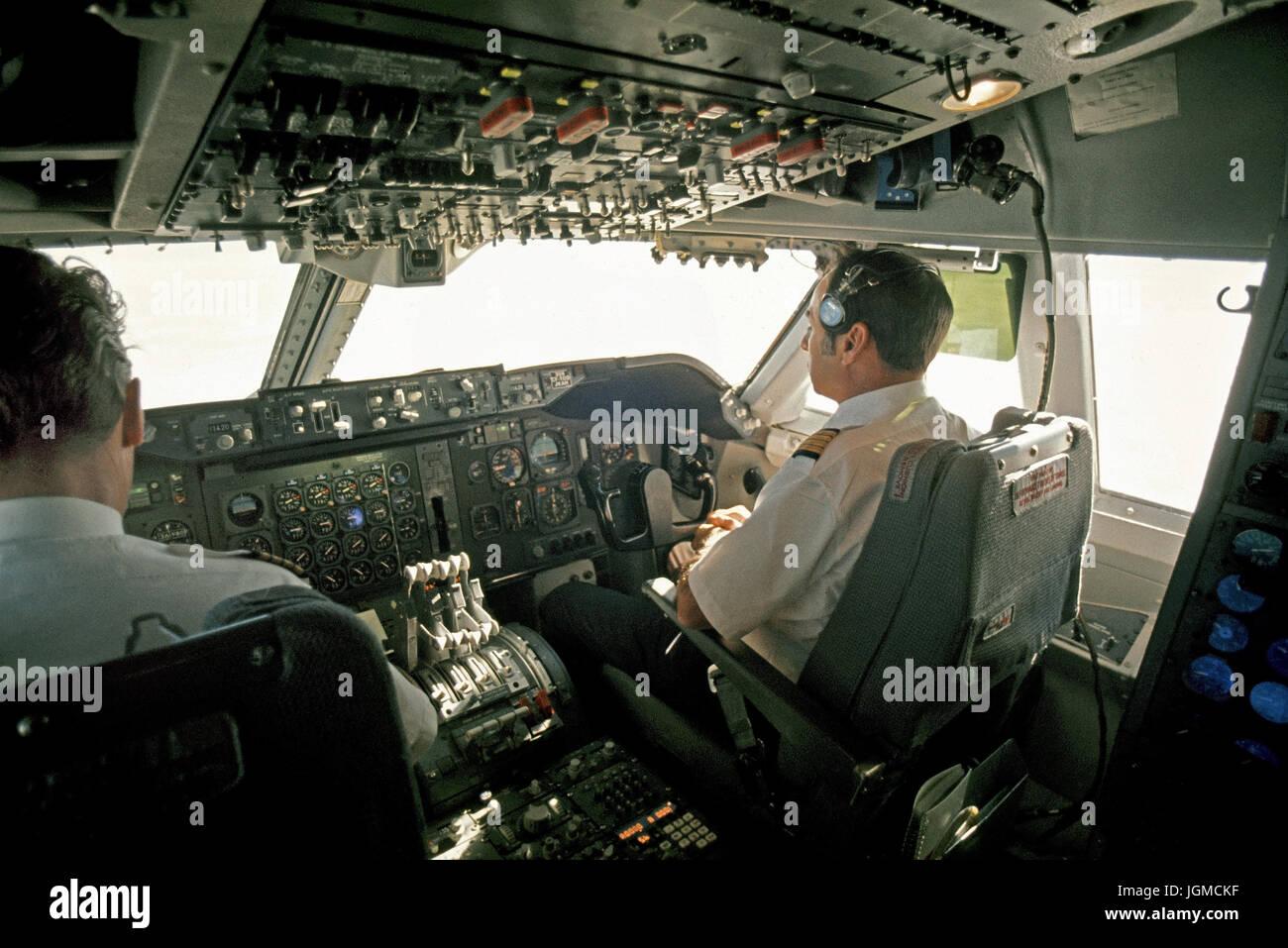 Boeing 747 Interior Stockfotos & Boeing 747 Interior Bilder - Alamy