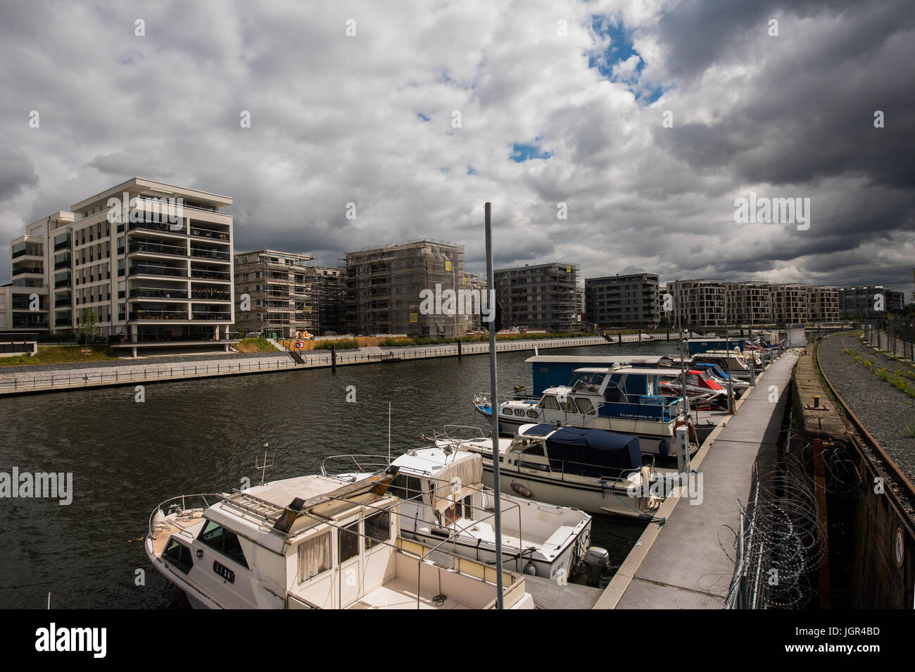 Offenbach, Deutschland. 30. Juni 2017. Moderne Wohnräume und alten ...