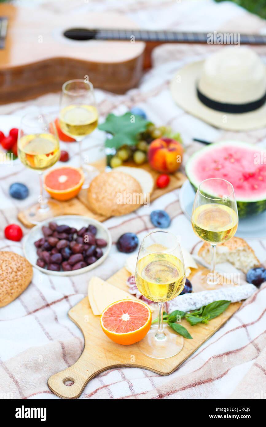 Ansicht von oben Sommer Garten italienische Picknick. Summer Party Stockbild