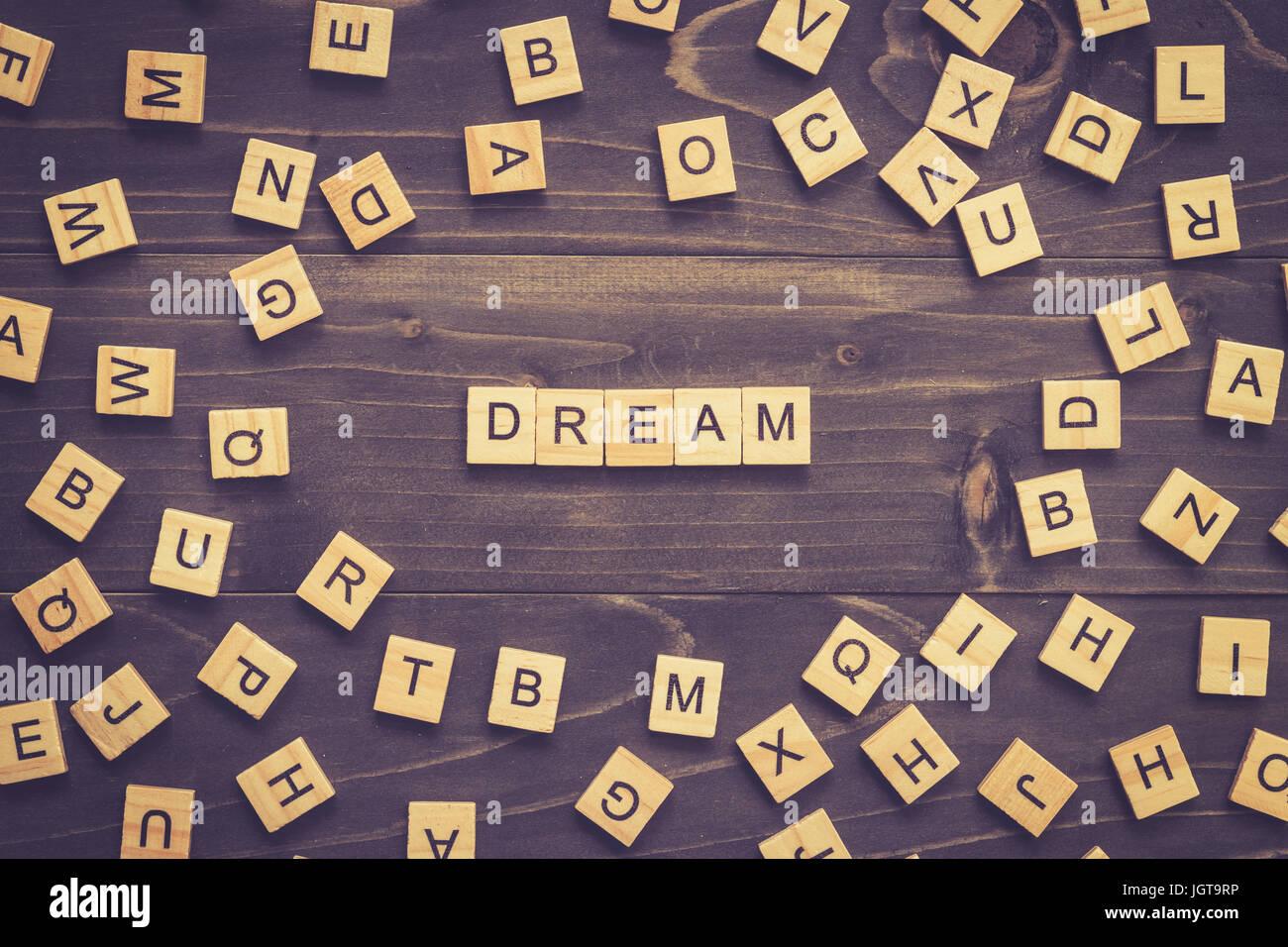 Traum-Wort-Holz-Block auf Tisch für Business-Konzept. Stockbild