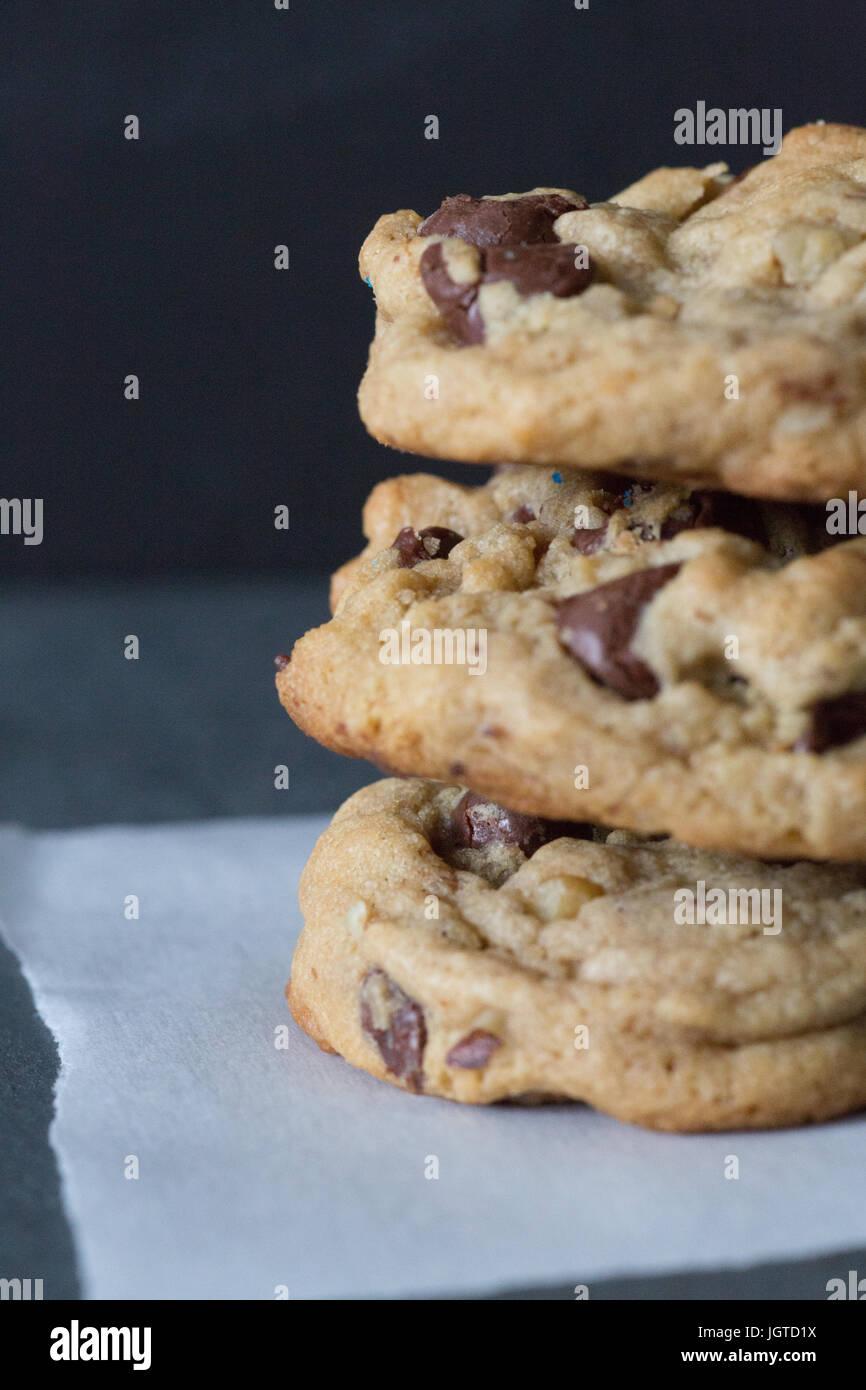 Cookie-Stack dark background Stockbild