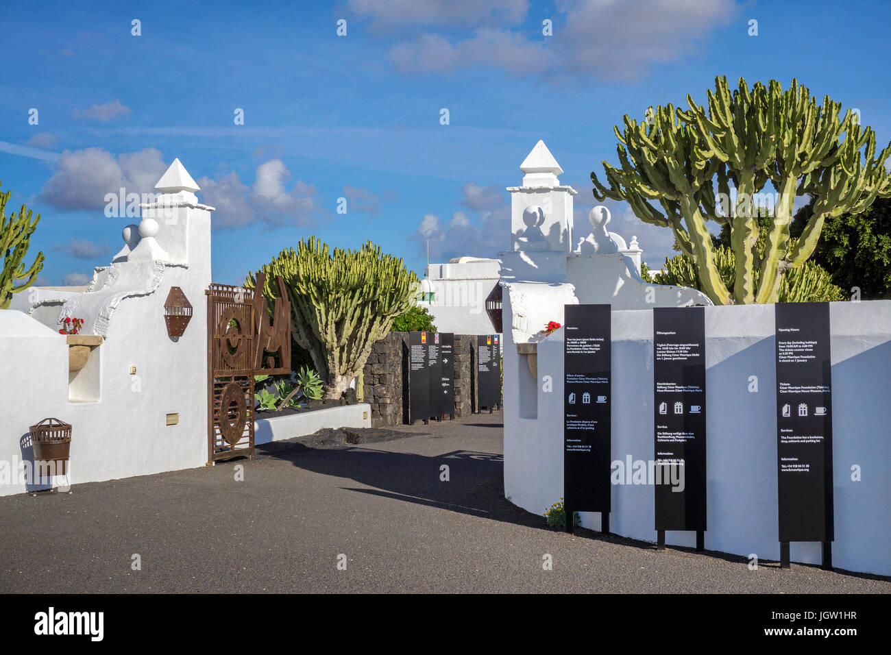 Eingang zur Fundacion Cesar Manrique, Taro de Tahiche, La Asomada, Lanzarote, Kanarische Inseln, Spanien, Europa Stockbild