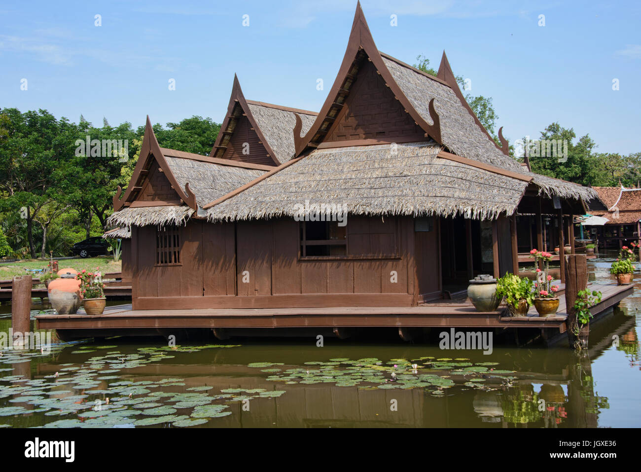 traditionelle thai h user in thailand stockfoto bild 148099258 alamy. Black Bedroom Furniture Sets. Home Design Ideas