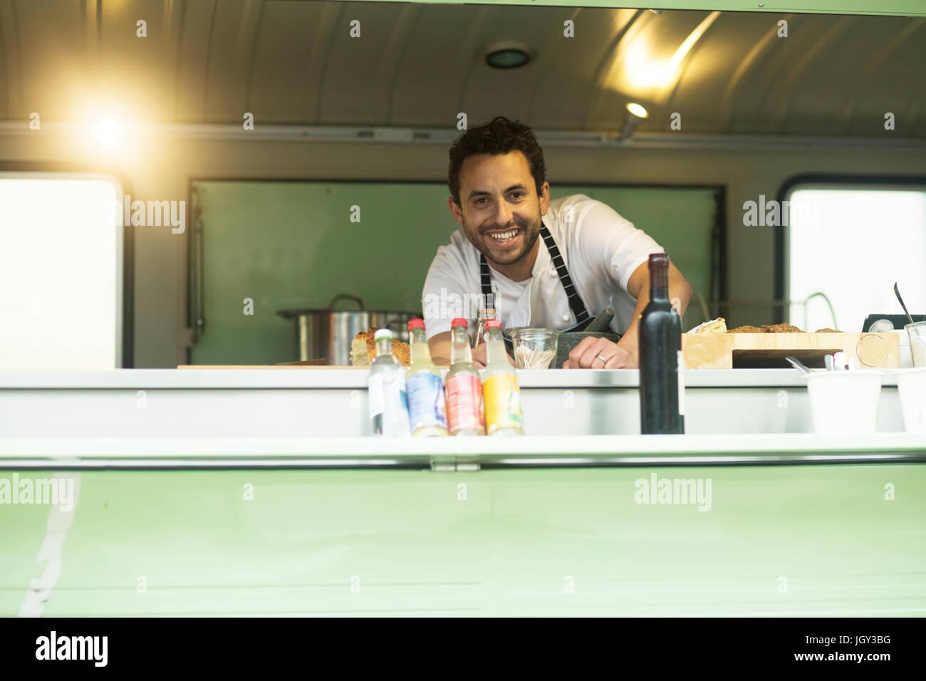 Porträt der Kleinunternehmer in van Essen Stall hatch Stockbild