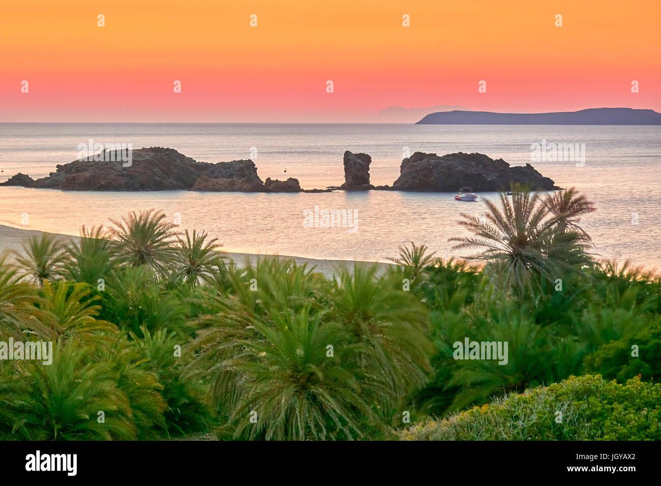 Dämmerung vor Sonnenaufgang am Strand von Vai, Insel Kreta, Griechenland Stockbild