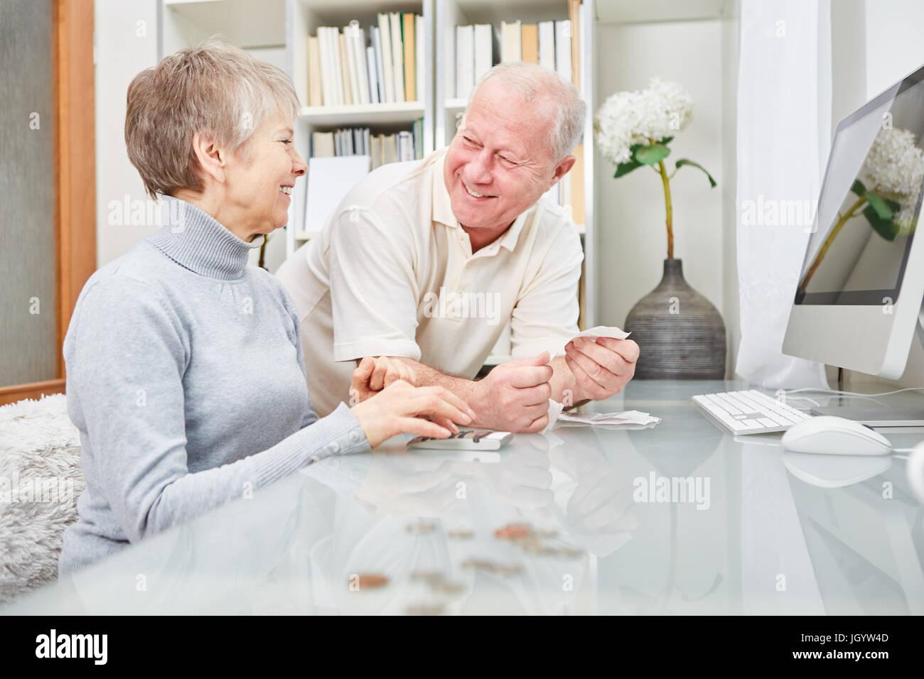 retirees stockfotos retirees bilder alamy. Black Bedroom Furniture Sets. Home Design Ideas