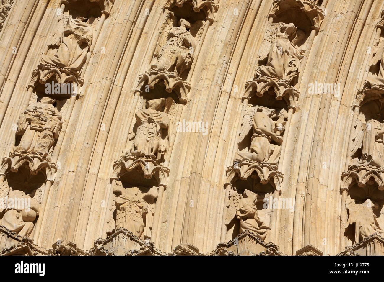 Skulpturen. Westfassade. Kathedrale von Lyon. Frankreich. Stockbild