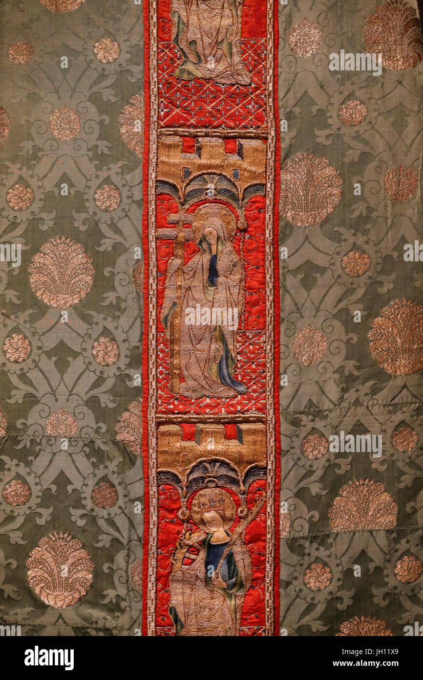 Das Victoria and Albert Museum. Kasel. 1425-50, umgebaut nach 1600. Seide. Italien oder Spanien. (Stickerei) und Stockbild