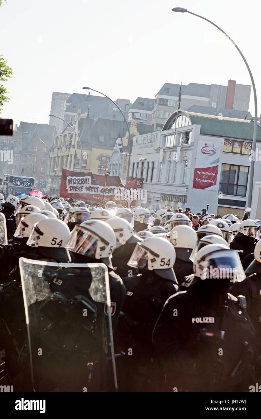 G20-Gipfel Hamburg, warten Stockbild