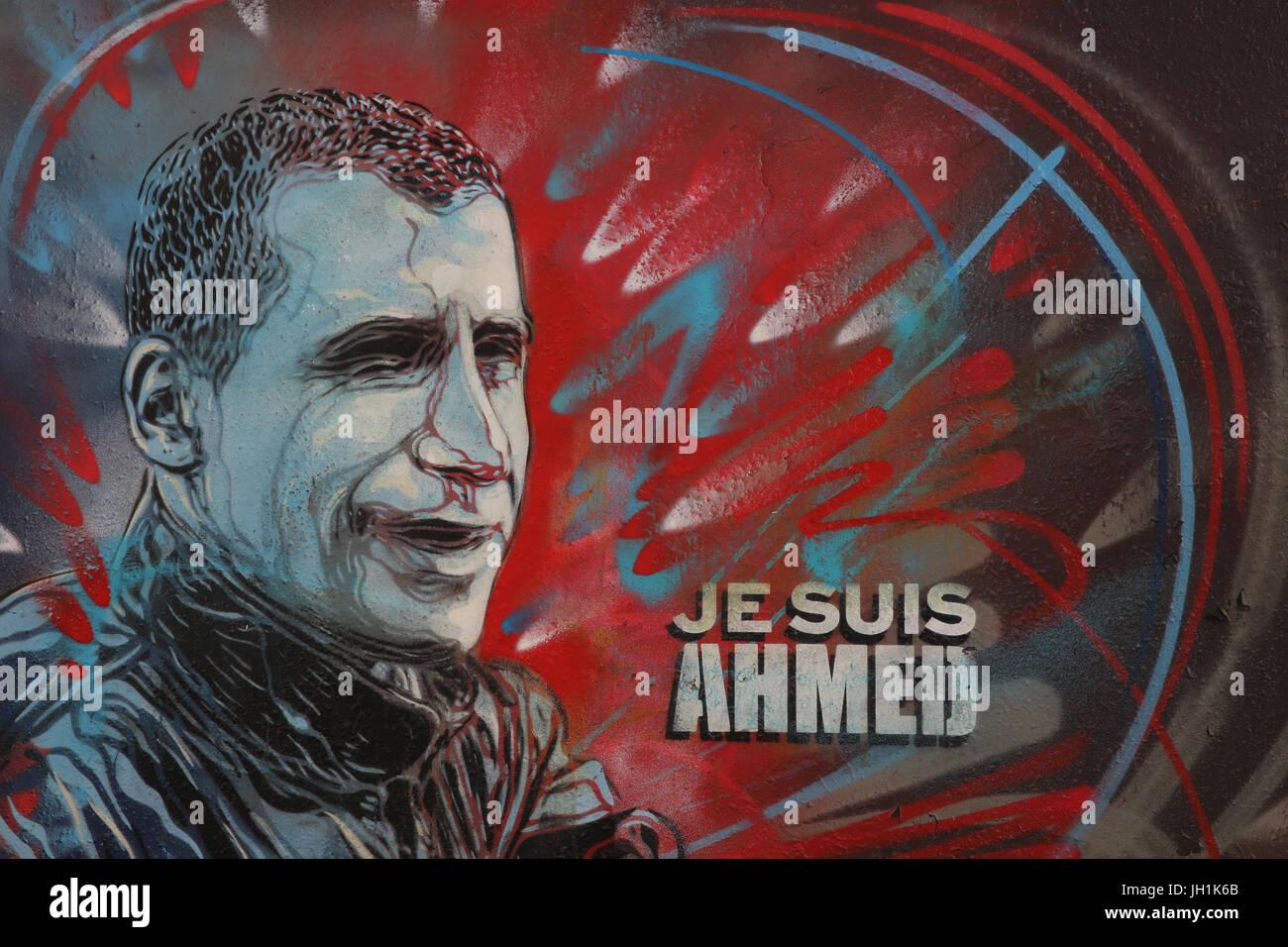 Hommage an der Polizist, der bei Charlie Hebdo Tötungen erschossen wurde. Frankreich. Stockbild