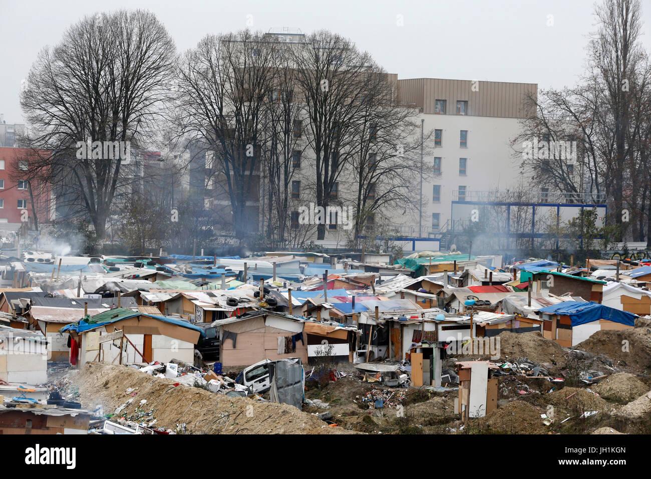 Zigeunerlager in Pierrefitte-sur-Seine, Frankreich. Frankreich. Stockbild