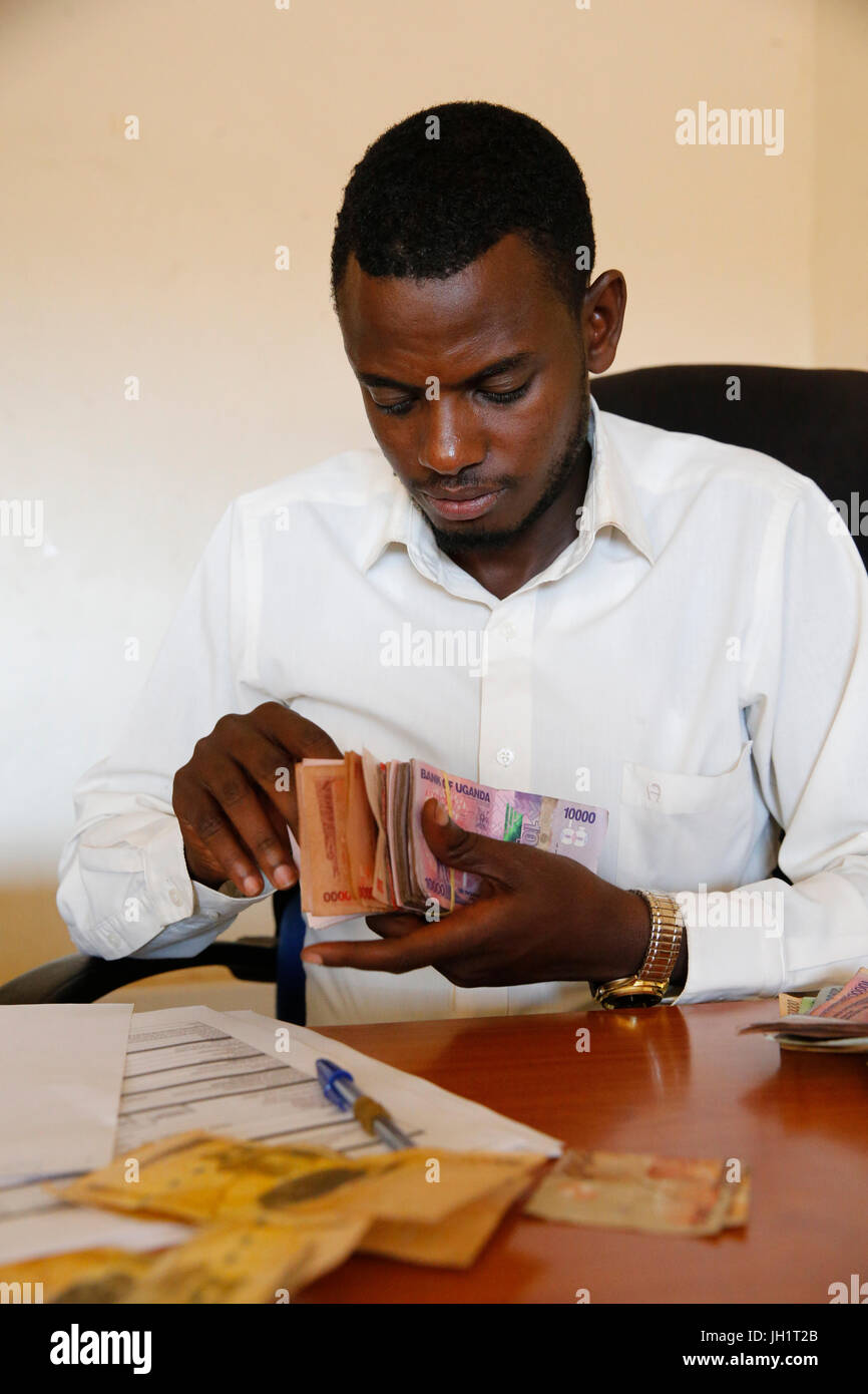 Uganda Microcredit Foundation Bweyale Niederlassung. Kreditsachbearbeiter. Uganda. Stockbild