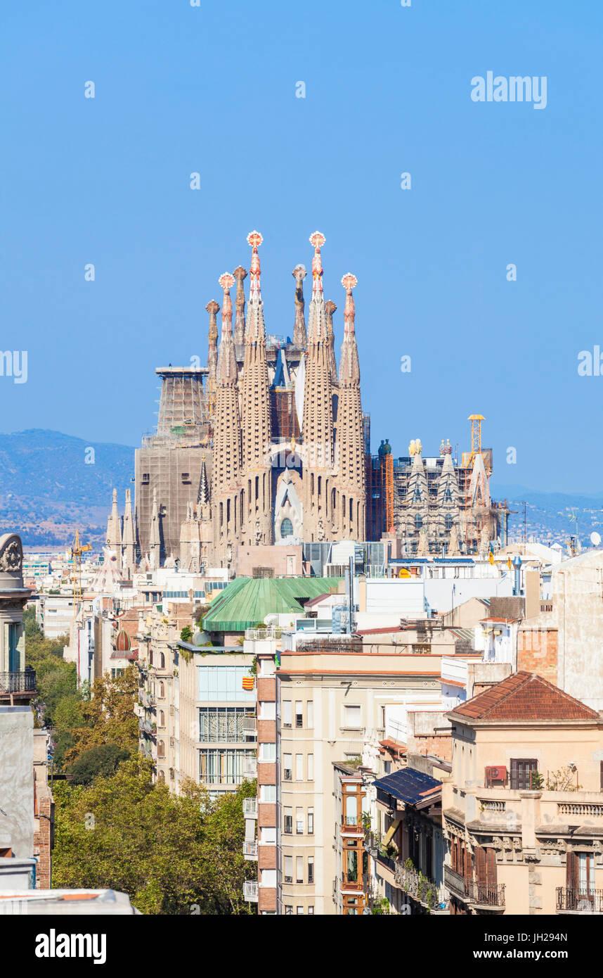 Skyline Blick auf La Sagrada Familia von Antoni Gaudi, UNESCO-Weltkulturerbe, Barcelona, Katalonien (Catalunya), Stockbild
