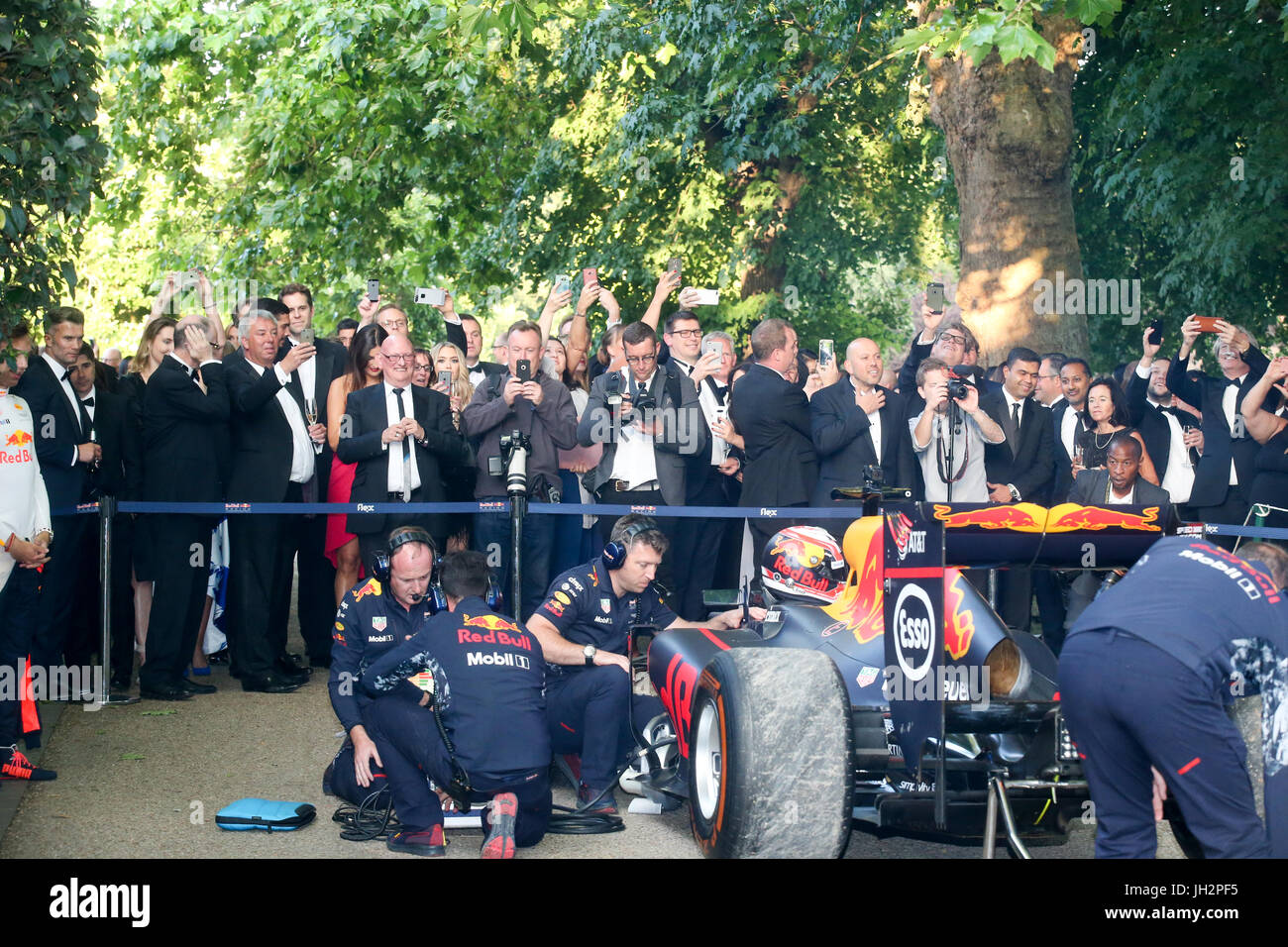 London, 12. Juni 2017. Grand Prix Ball, Prominente, Autos und Fahrer im Hurlingham Club. Expo-Foto/Alamy Live-Nachrichten Stockfoto