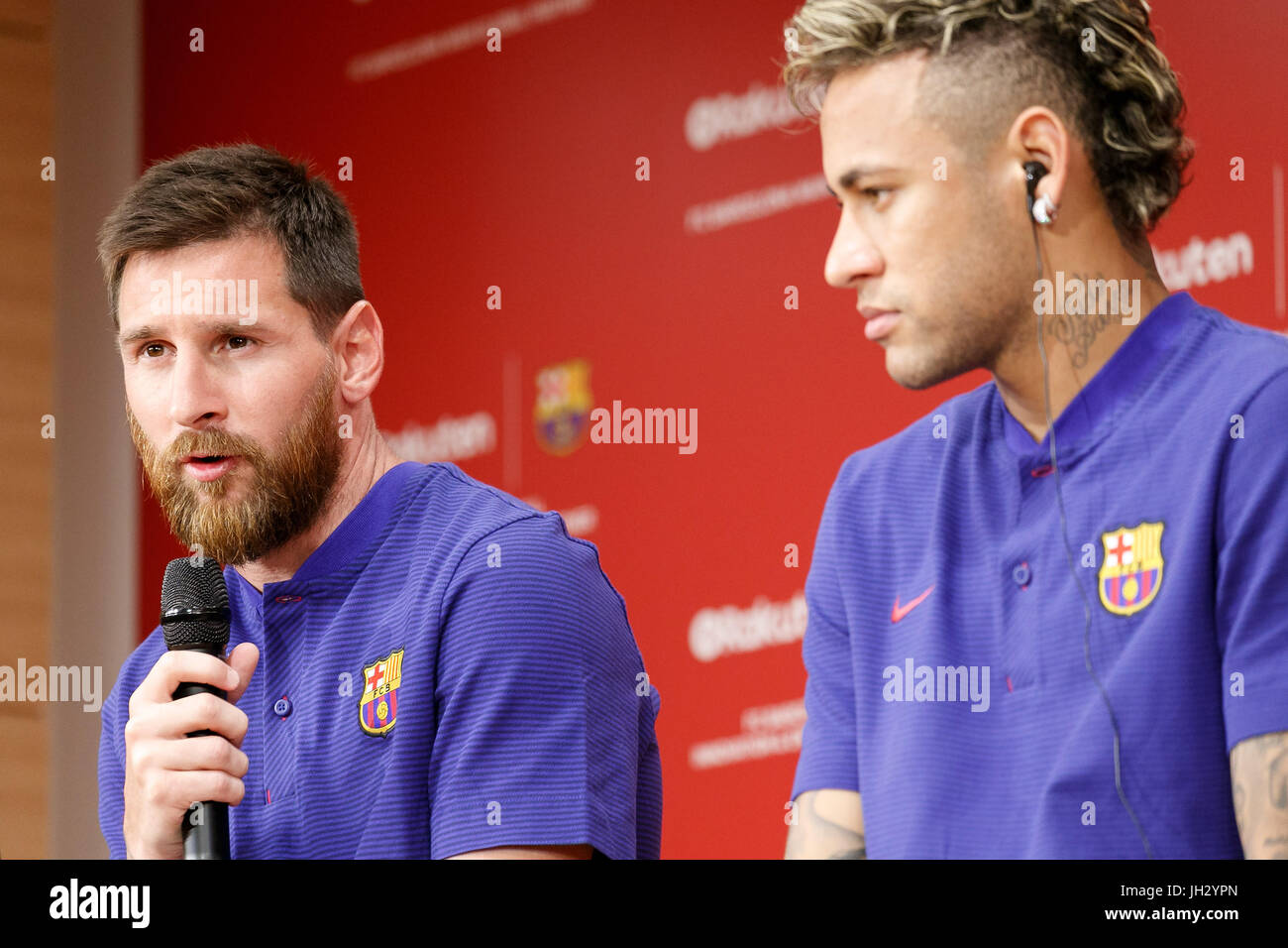 lionel messi r in stockfotos lionel messi r in bilder alamy. Black Bedroom Furniture Sets. Home Design Ideas