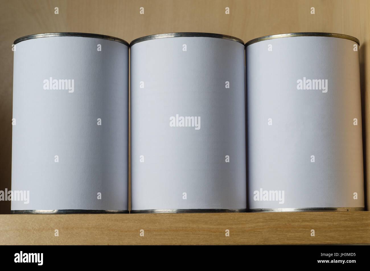 tins shelf stockfotos tins shelf bilder alamy. Black Bedroom Furniture Sets. Home Design Ideas