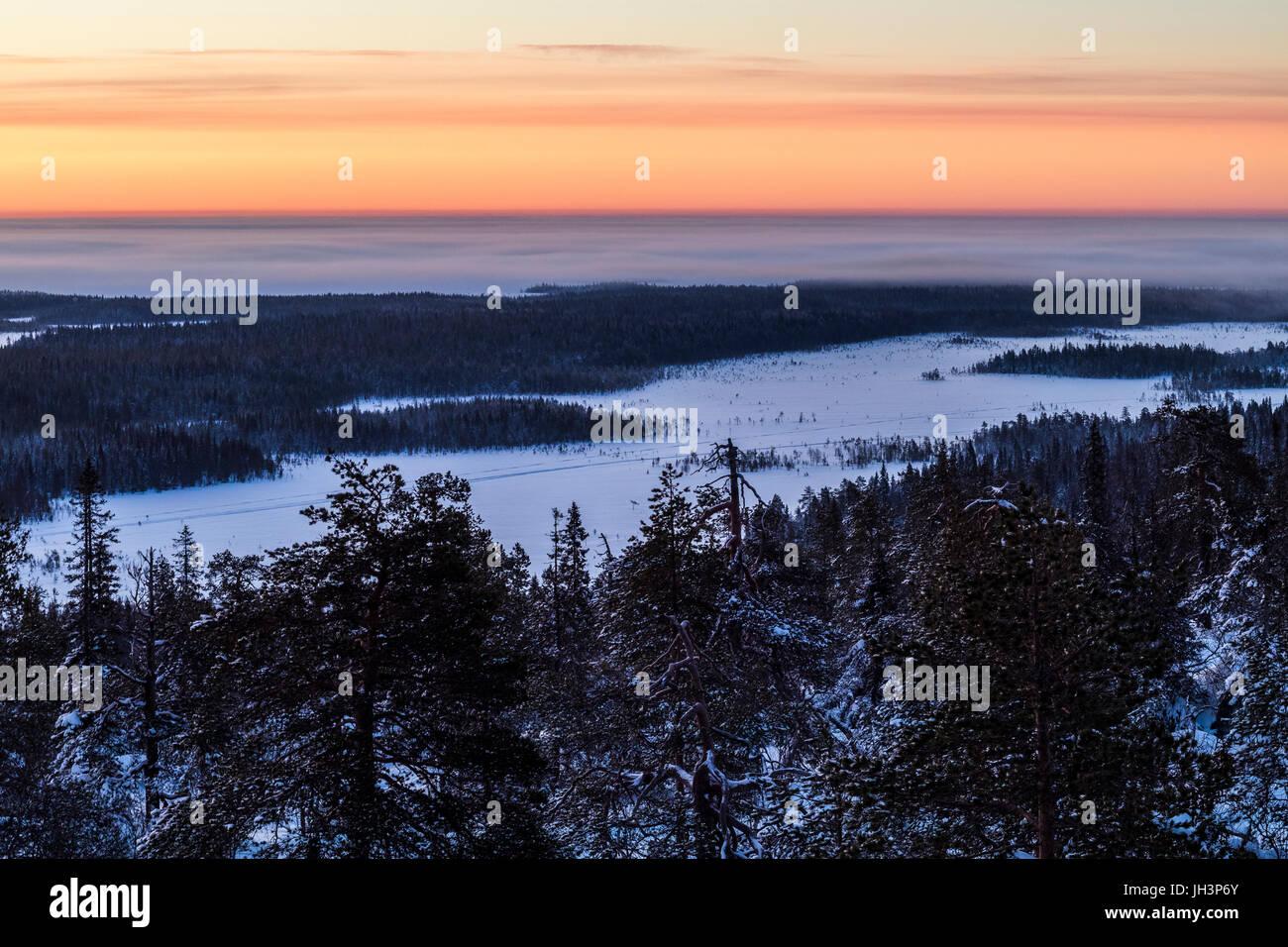 Winter Sonnenaufgang in Finnland Stockbild