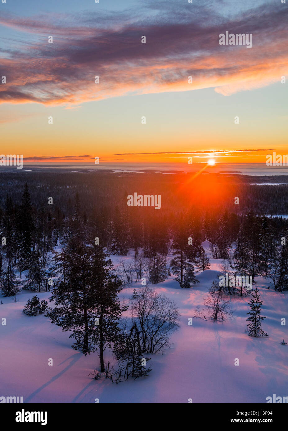 Winter Sonnenaufgang in Finnland Stockbild