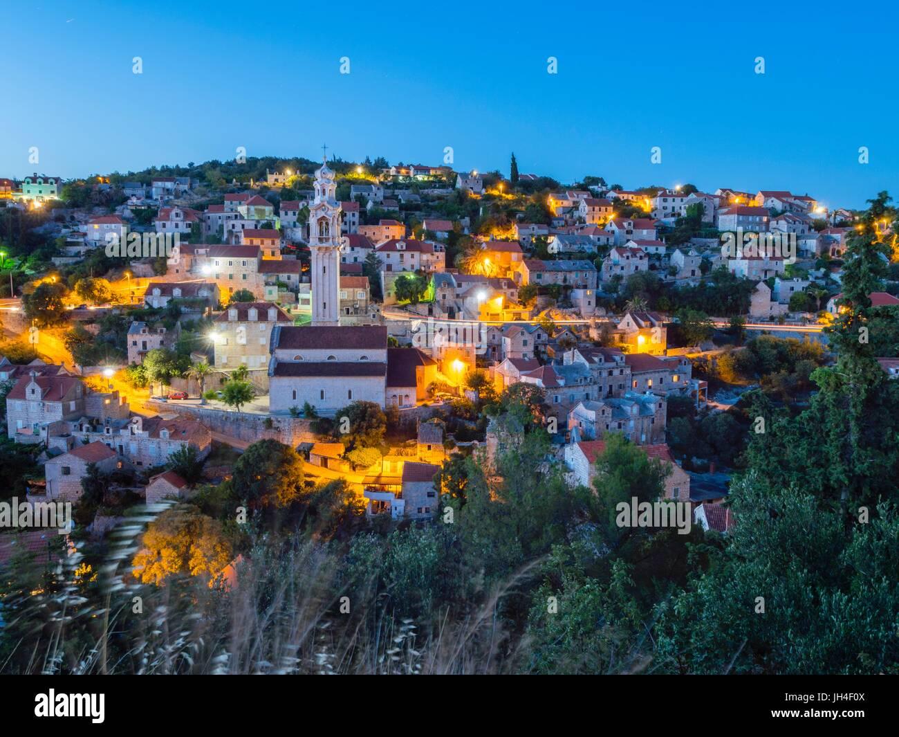 Lozisca auf der Insel Brac in Kroatien Abend dämmerung Dämmerung ...
