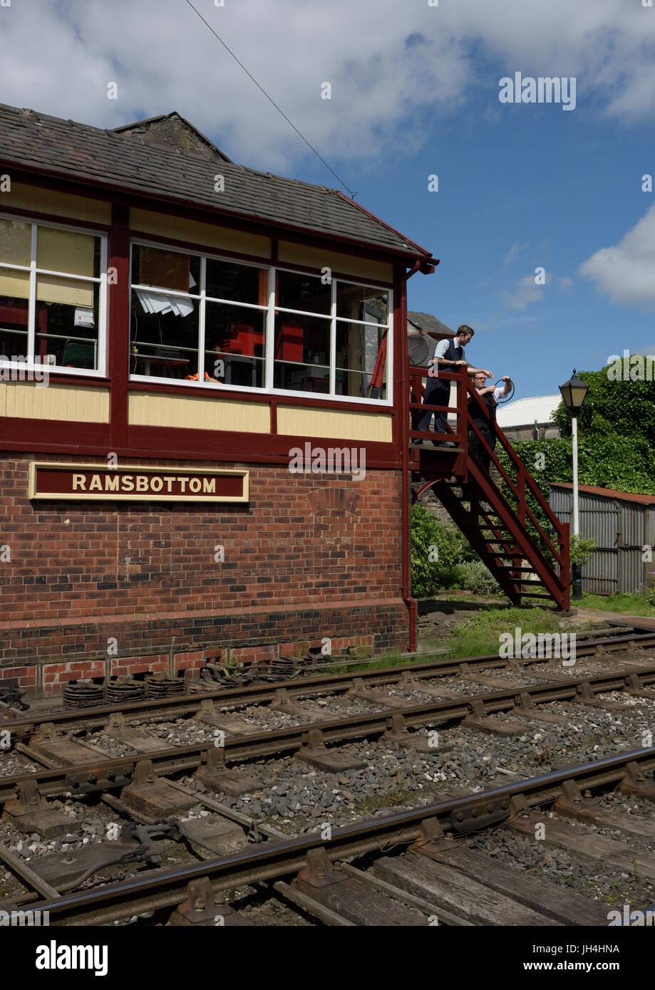 Eisenbahn sichestellen, das Token für den Zug auf der East Lancashire Eisenbahn in ramsbottom Lancashire Stockbild