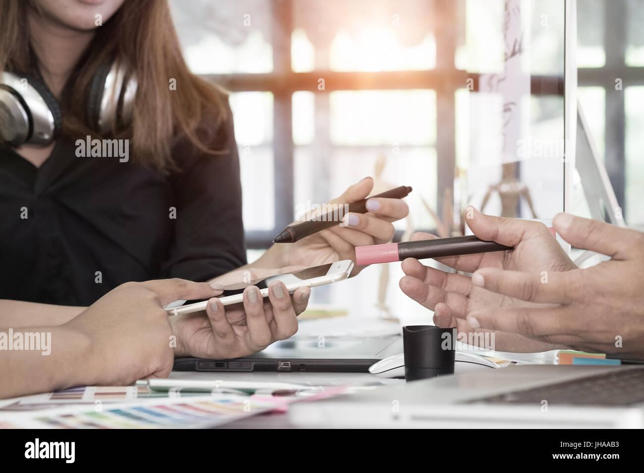 Designer Grafik creative Kreativität arbeiten reden entwerfen ...