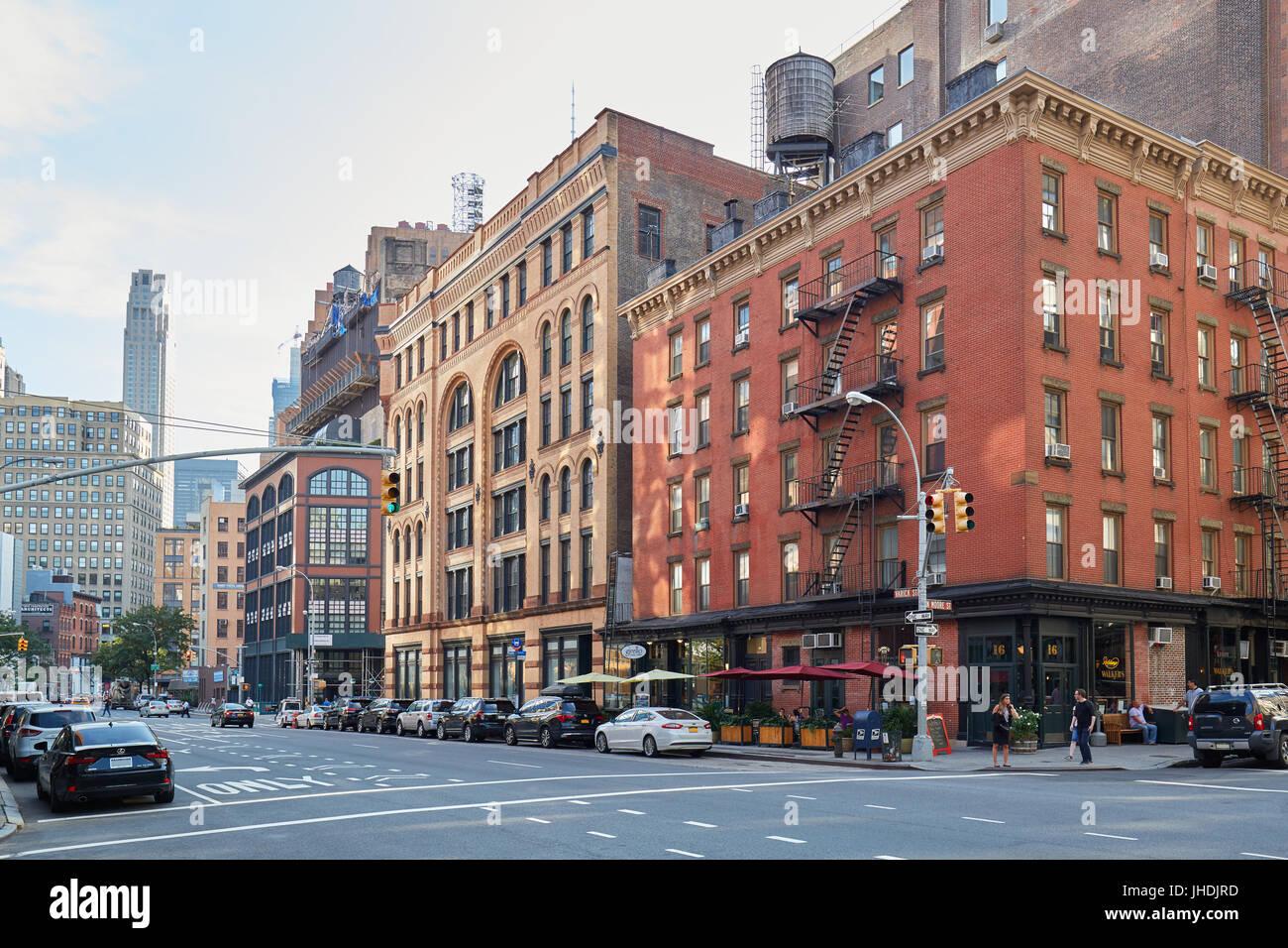 Tribeca Viertel leere Straßen an einem sonnigen Sommertag in New York Stockbild