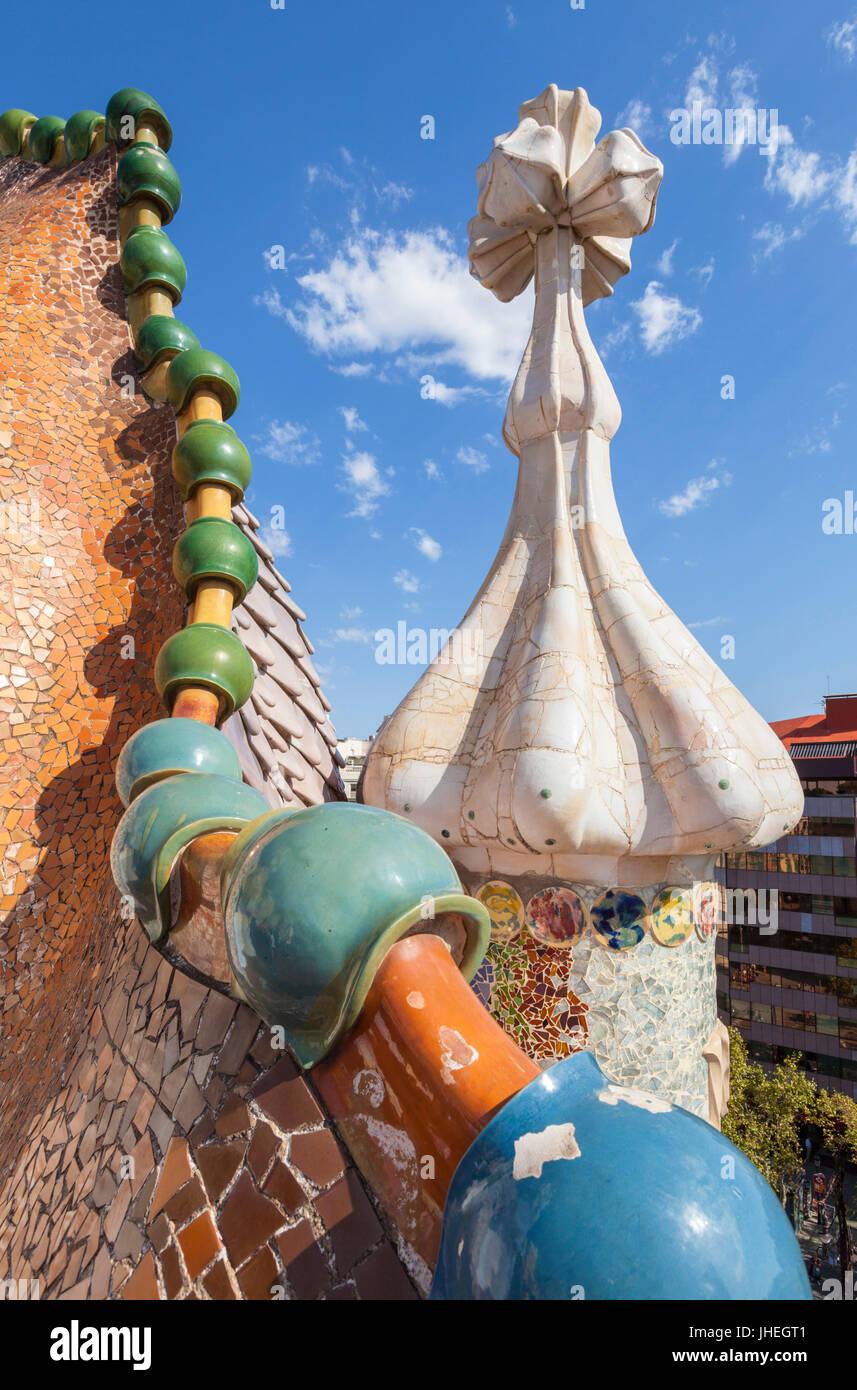 Barcelona Catalunya Casa Batllo Barcelona Casa Batllo Spanien Barcelona Barcelona auf dem Dach Drachen Dach vom Stockbild