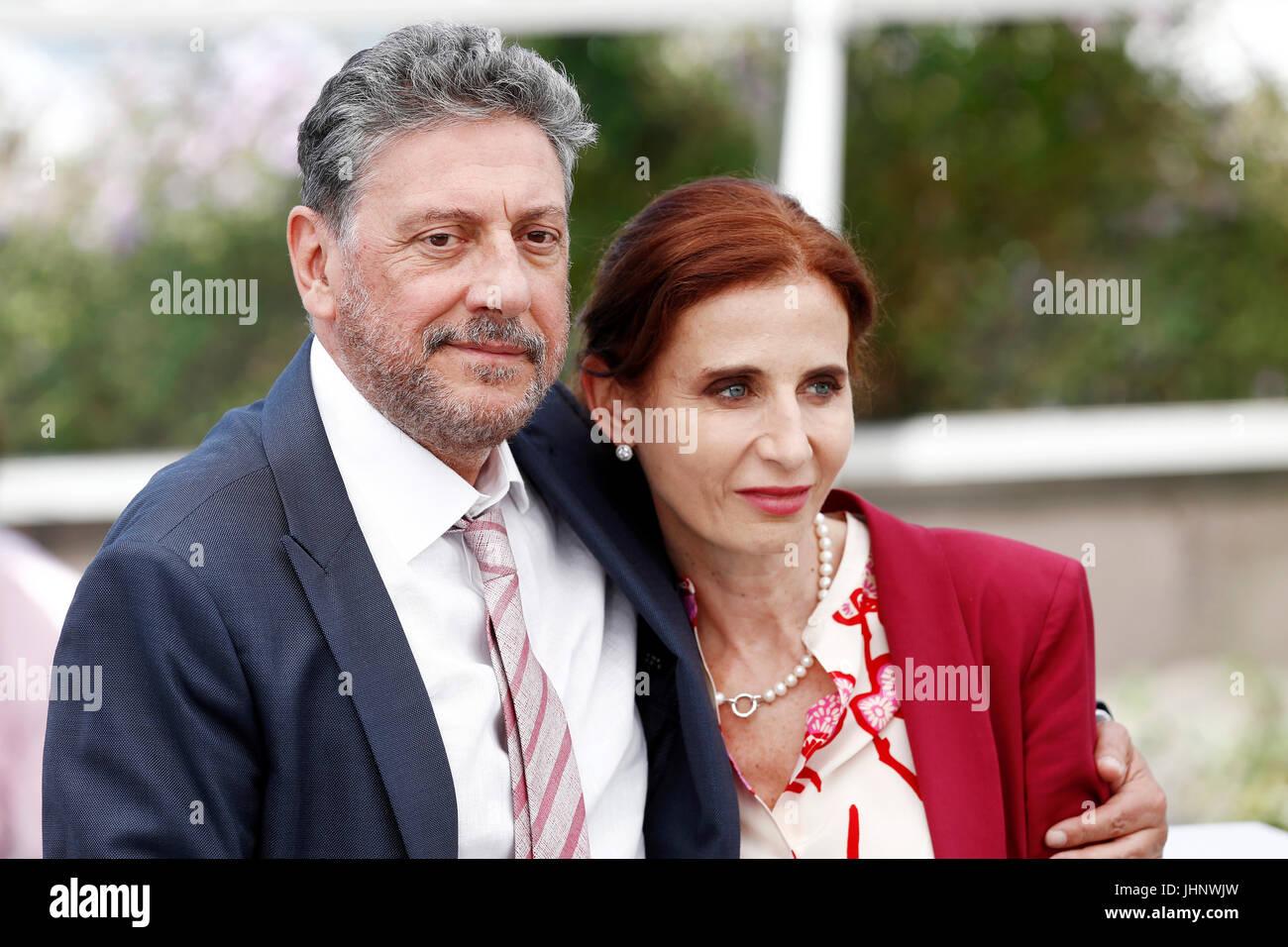 """CANNES, Frankreich - 21. Mai: Sergio Castellitto und Margaret Mazzantini besuchen die """"Fortunata"""" Fototermin Stockbild"""