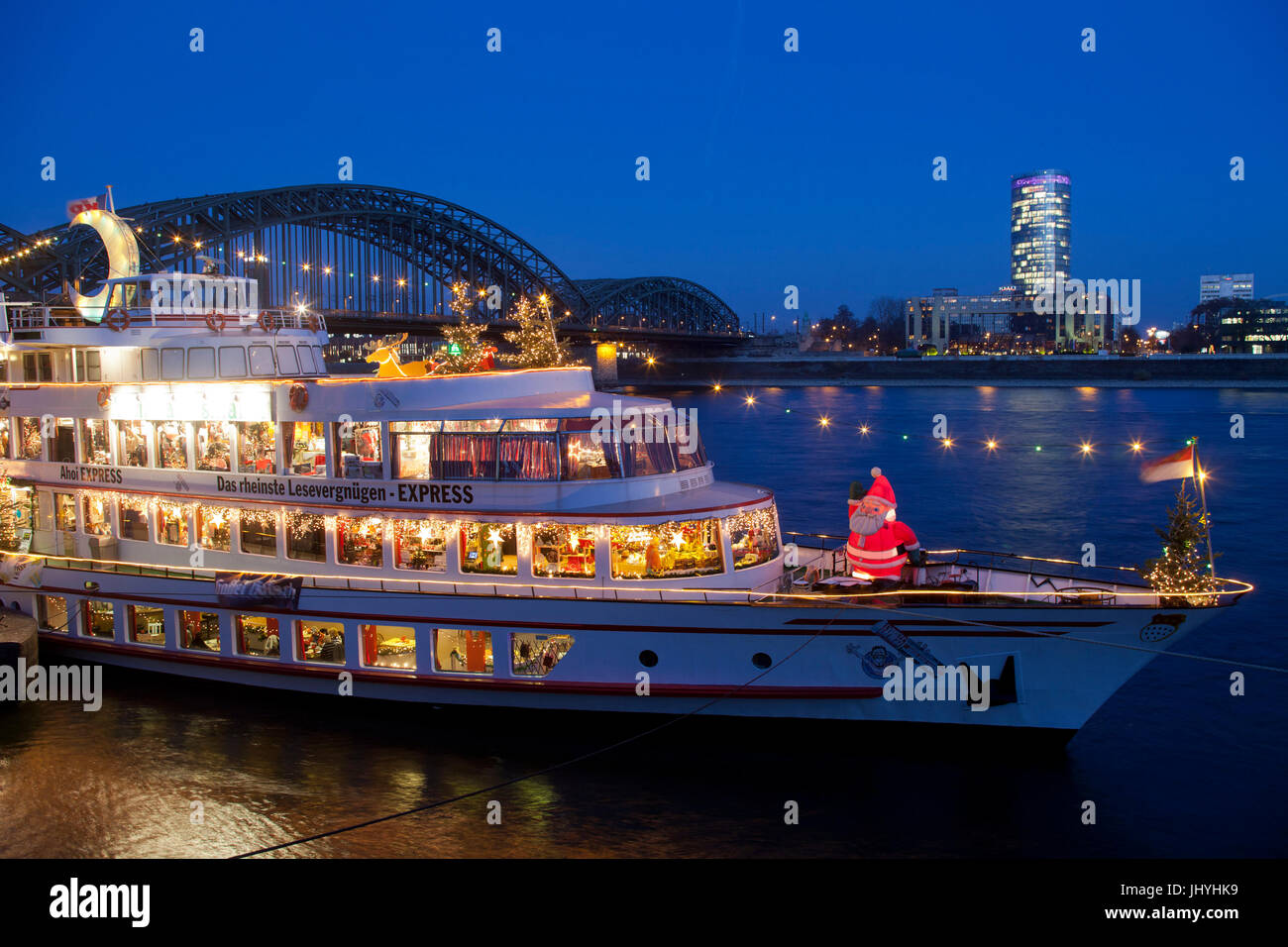 Europa, Deutschland, Köln, ein Weihnachten Messe auf einem Schiff ...