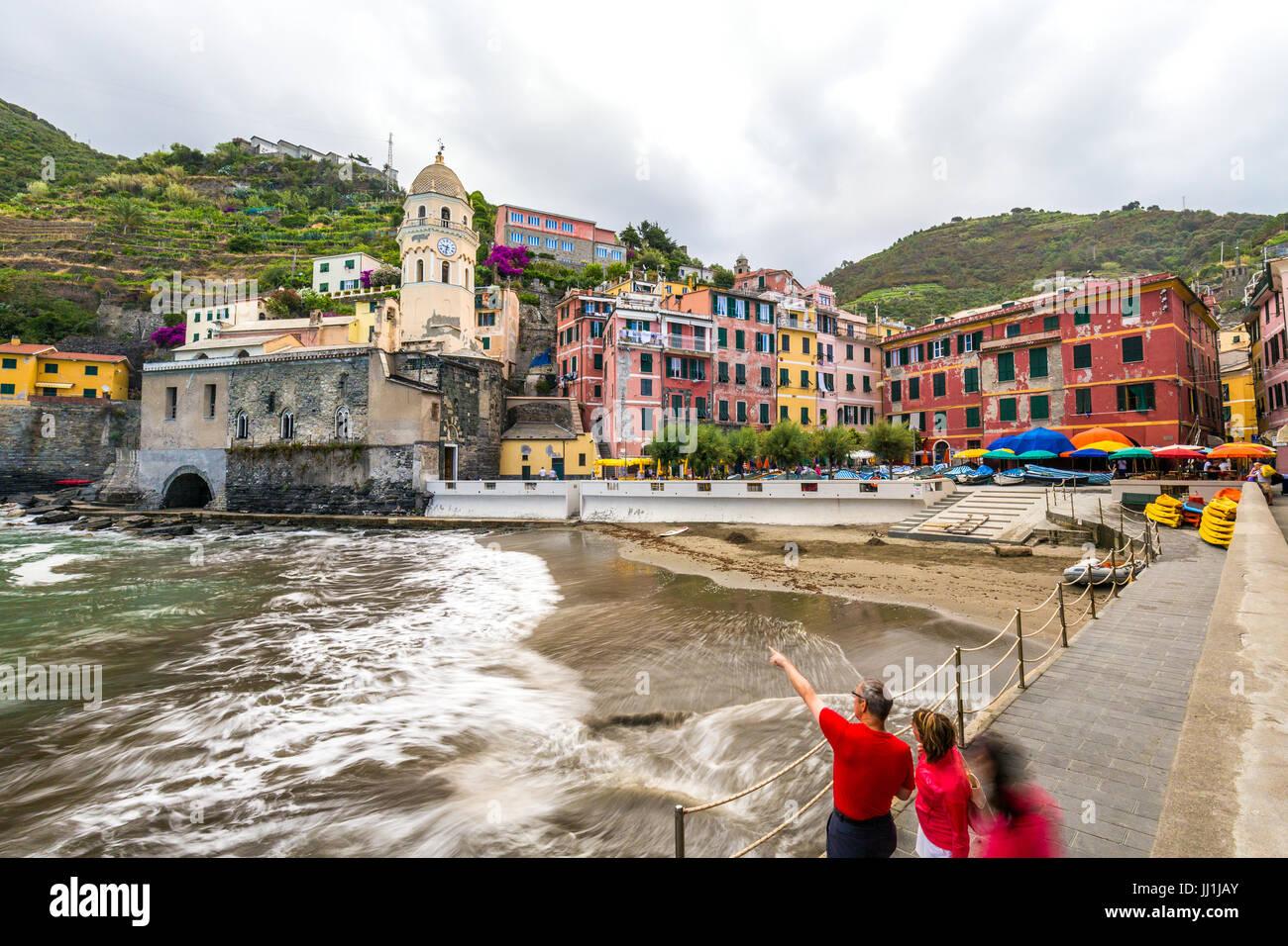 Vernazza, eines der berühmten Cinque Terre in Ligurien, Italien Stockfoto