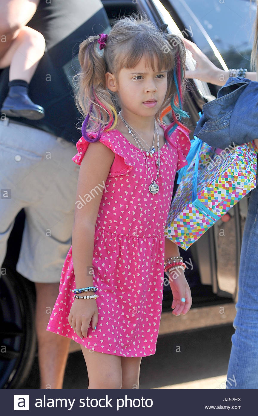Honor Warren. Jessica Alba und Cash Warren nehmen ihre Töchter Haven ...