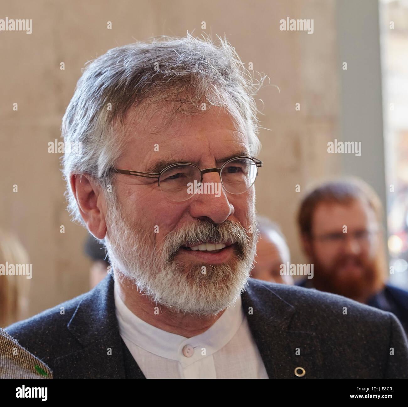 Gerry Adams, Leiter der irische politische Partei Sinn Féin, gesehen in Dublin, Irland. Stockbild