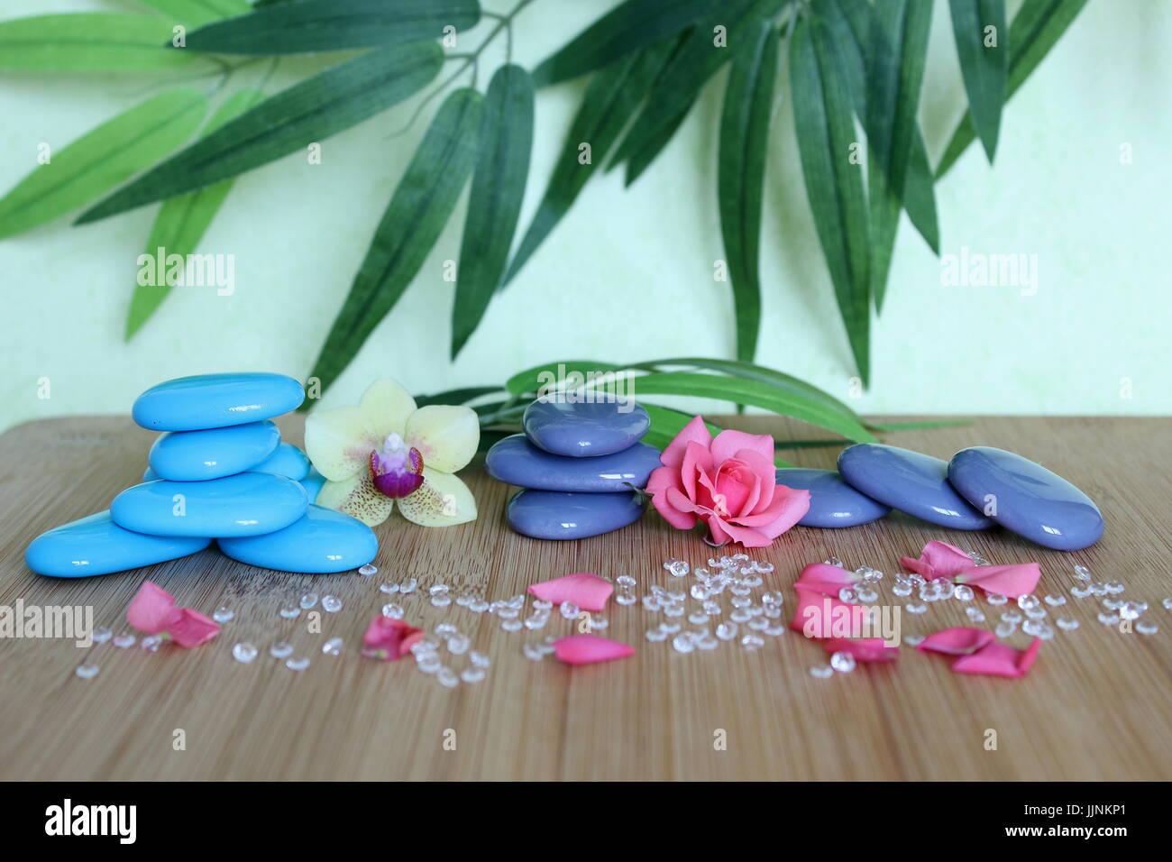 Dekorative Kieselsteine In Einem Zen Leben Mode Auf Einem Bambus