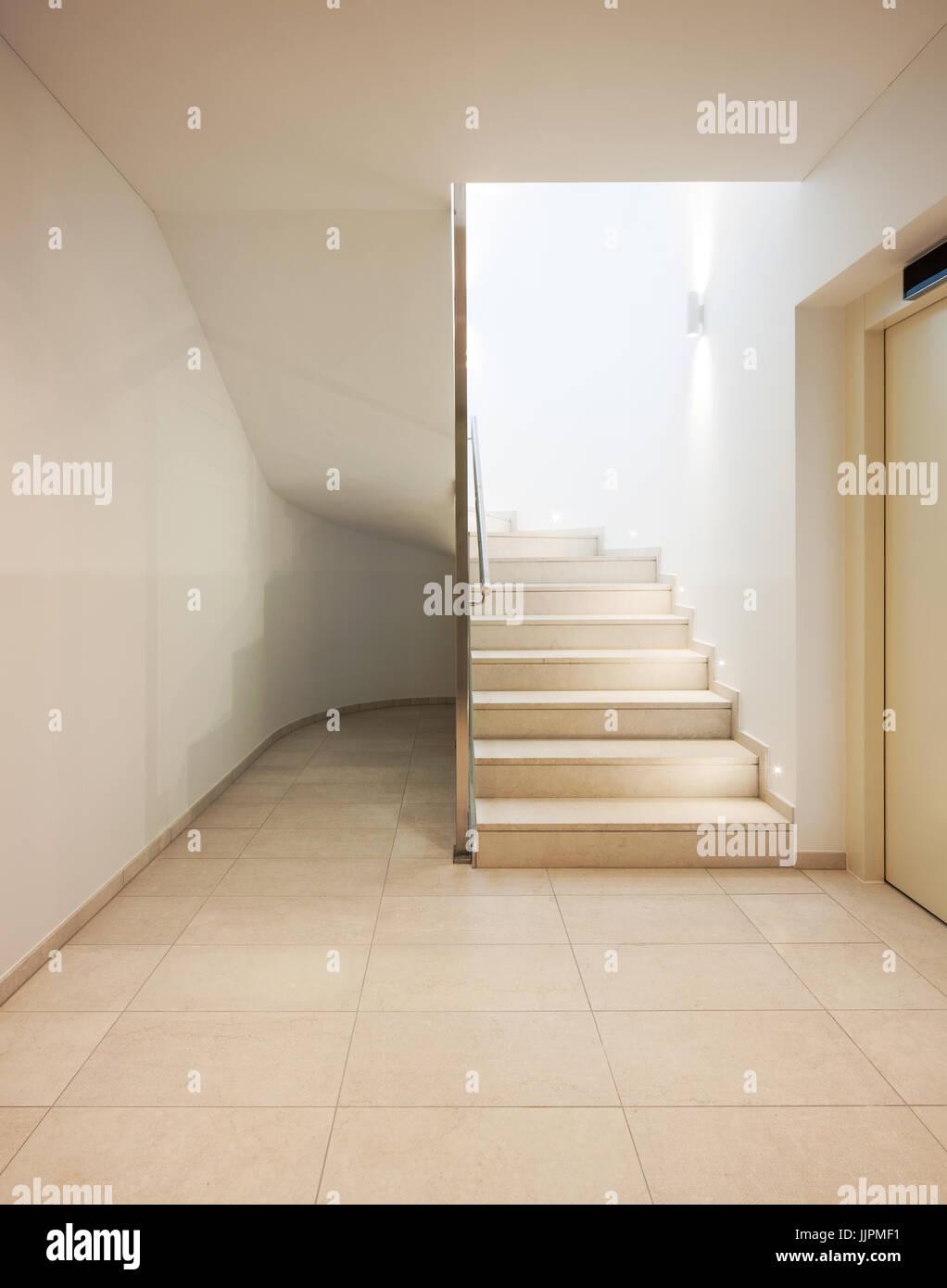 Treppe In Einer Modernen Wohnung Stockfoto Bild 149245797