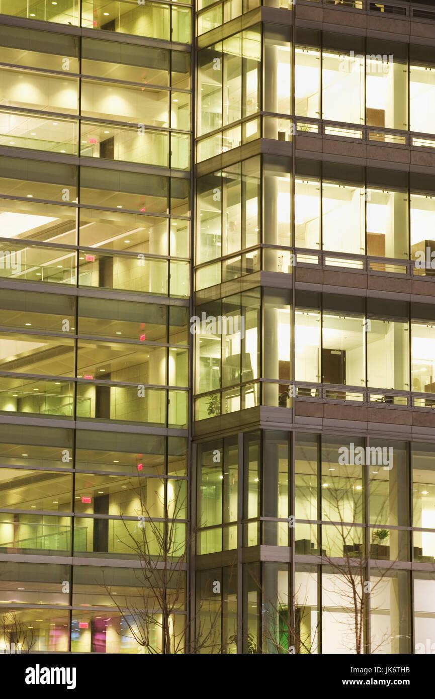 Kanada, Quebec, Montreal, Bürohochhaus, Glasfassade, Detail, Nacht Nordamerika, Kanada, Bürogebäude, Stockbild