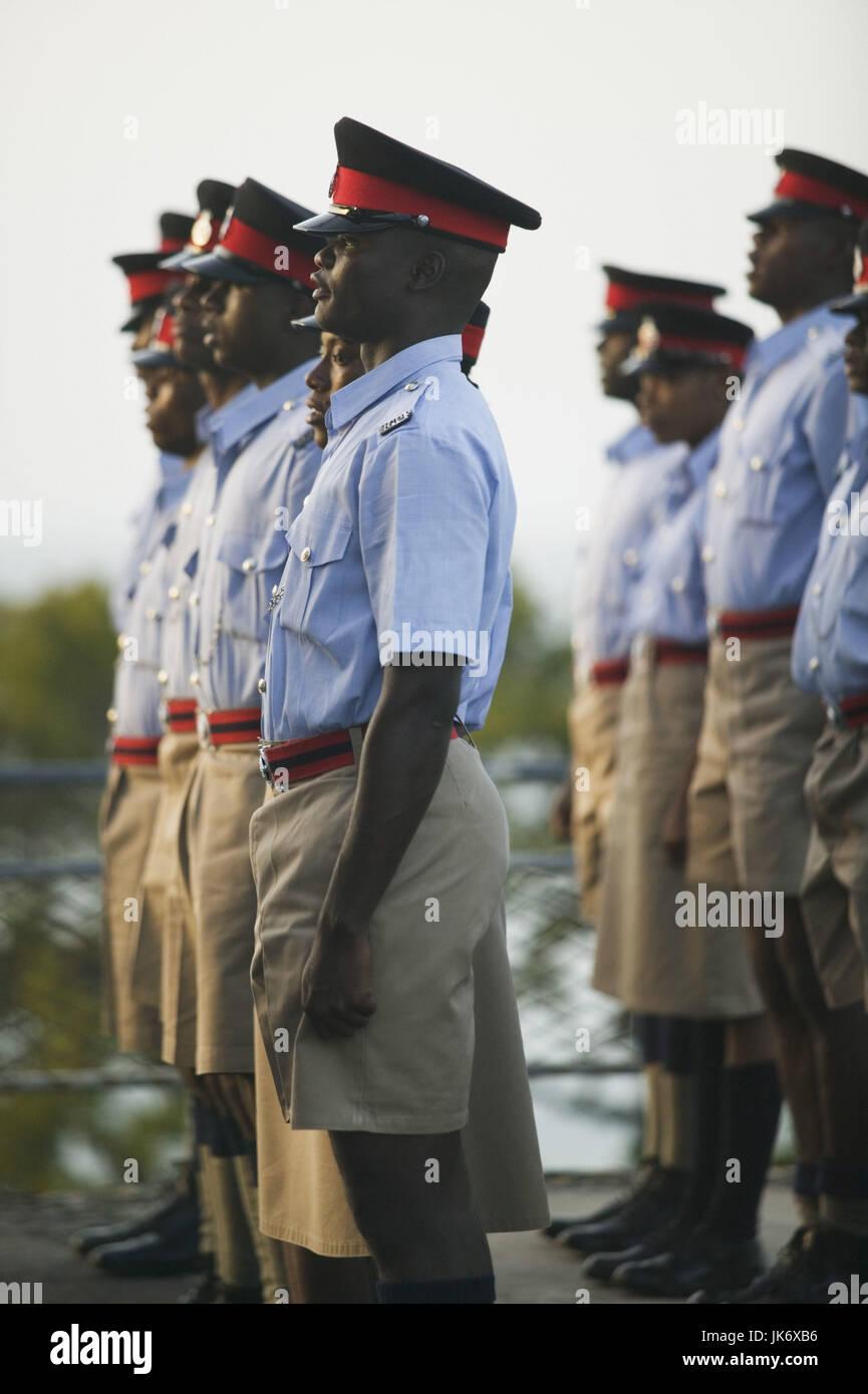 Grenada, St. George, Fort George, Polizisten, Parade, 12minütigen, Detail keine Modellfreigabe Karibik, Westindische Stockbild