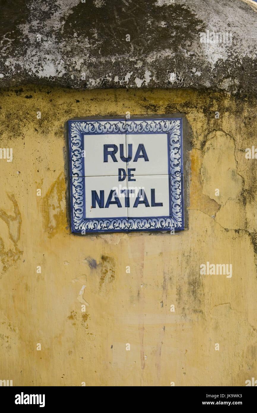 Indien, Goa, Panaji, Rua de Natal, Straßenschild, Bahngesellschaft, Haus, Fassade, Fachzeitung, Schild, Fliesen, Stockbild