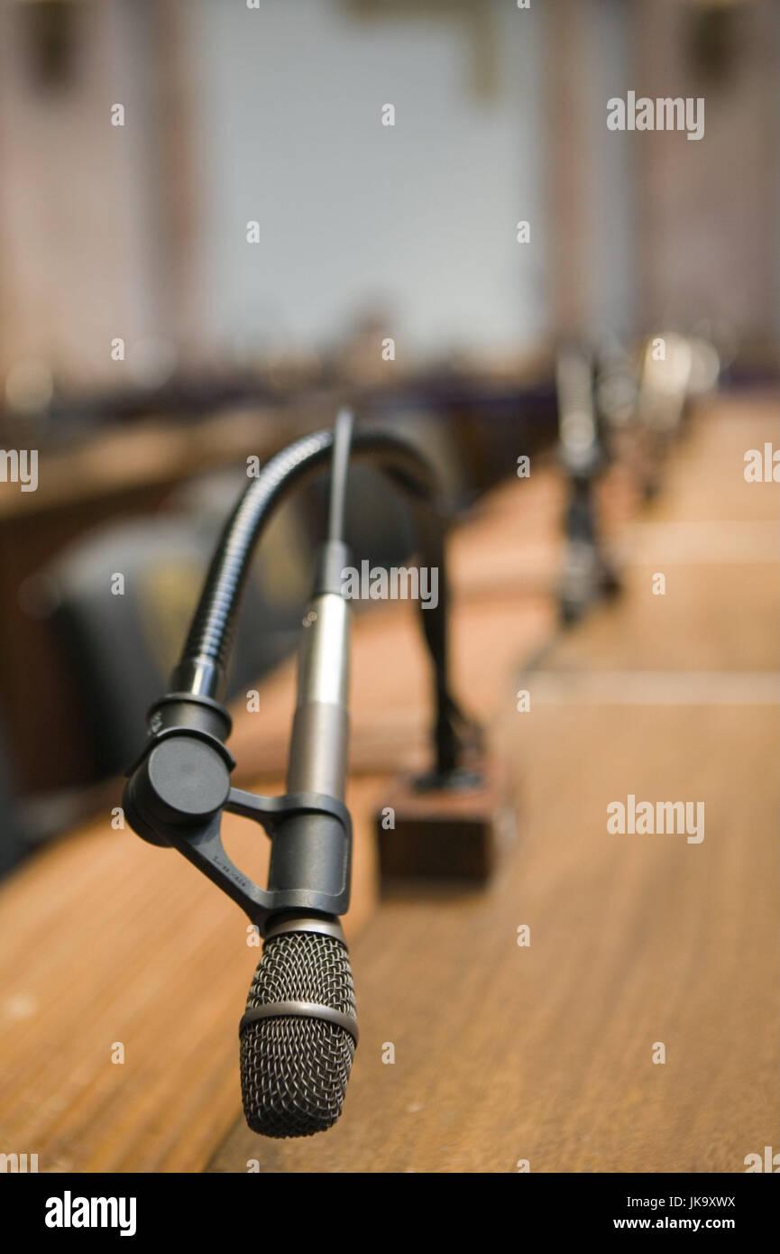 Sitzungssaal, Tisch, Mikrofone, Unschärfe, USA, Kentucky, Frankfort, Parlament, Parlamentsgebäude, Saal, Stockbild