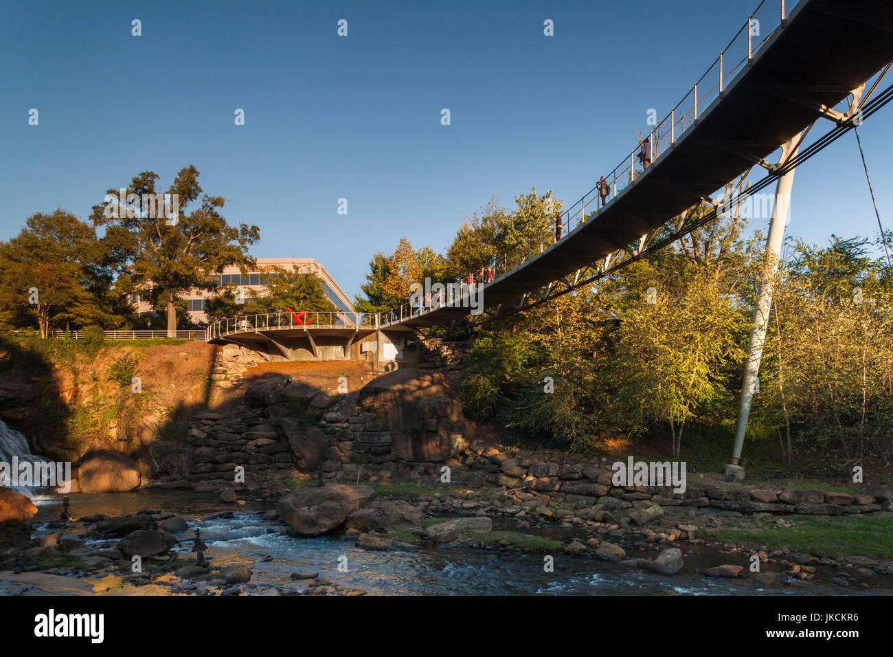 USA, Greenville, South Carolina, Falls Park am Reedy River, Freiheitsbrücke, Miqel Rosales, Architekt Stockbild