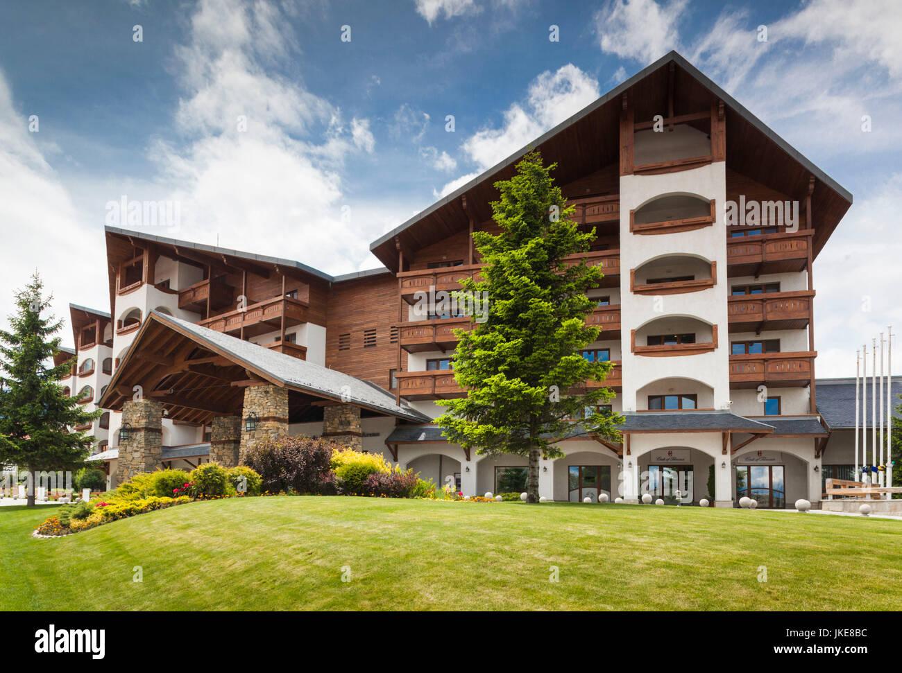 Bulgarien, südlichen Berge, Bansko, Skigebiet, Kempinski Hotel Grand Arena Stockbild