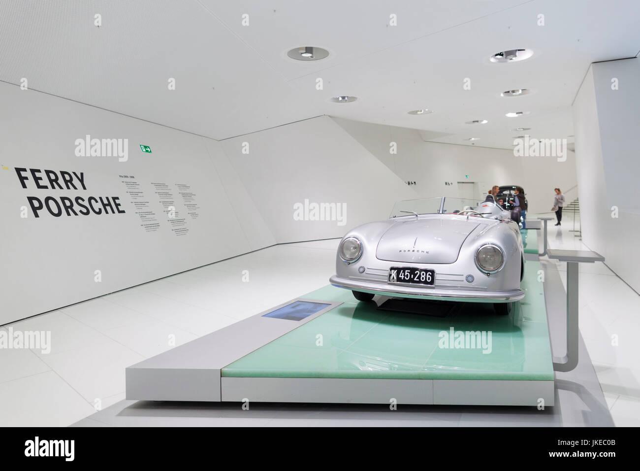 Deutschland, Baden-Württemberg, Stuttgart - Zuffenhausen, Porsche Automuseum, ersten Porsche-Sportwagen Stockbild