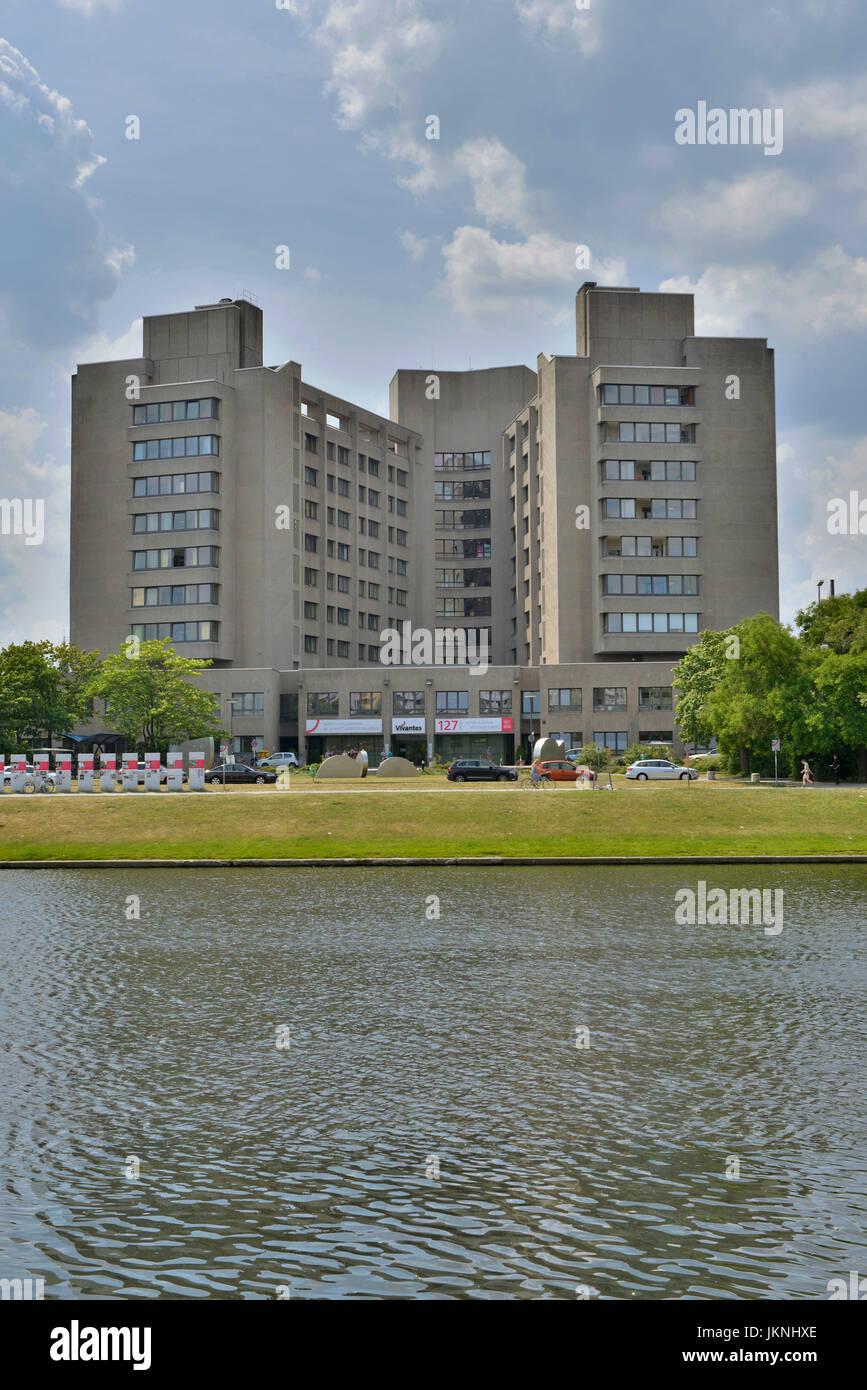 Medizinisches Zentrum In Urbane Dieffenbachstrasse, cross-Mountain, Klinikum Am Urban, Kreuzberg, Berlin, Germany, Stockbild