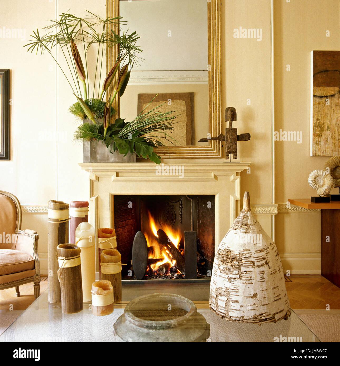 Klassischen Stil Kamin Im Wohnzimmer