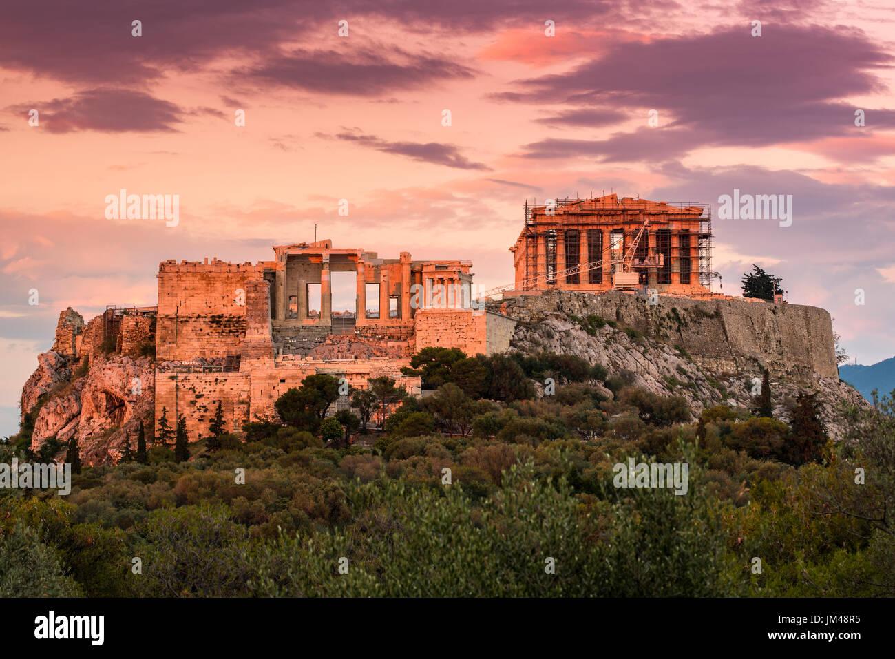 Blick auf den Sonnenuntergang der Akropolis, Athen, Attika, Griechenland Stockbild