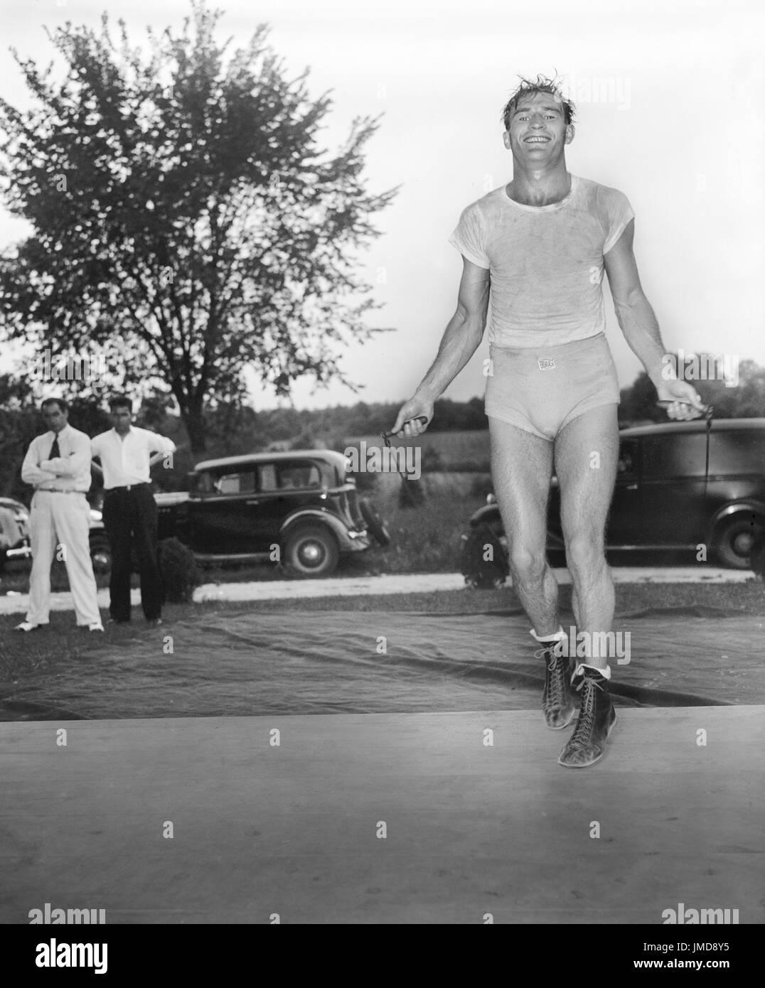 Im Mittelgewicht Boxen Champion Freddie Steele Skipping Rope im ...