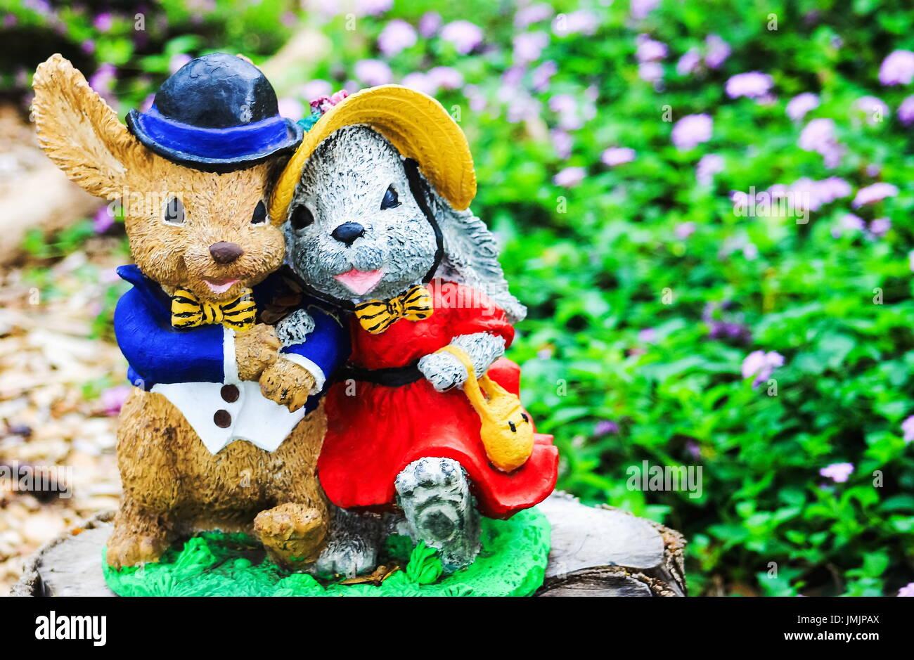 Herr und Frau Kaninchen Garten Ornament Stockbild
