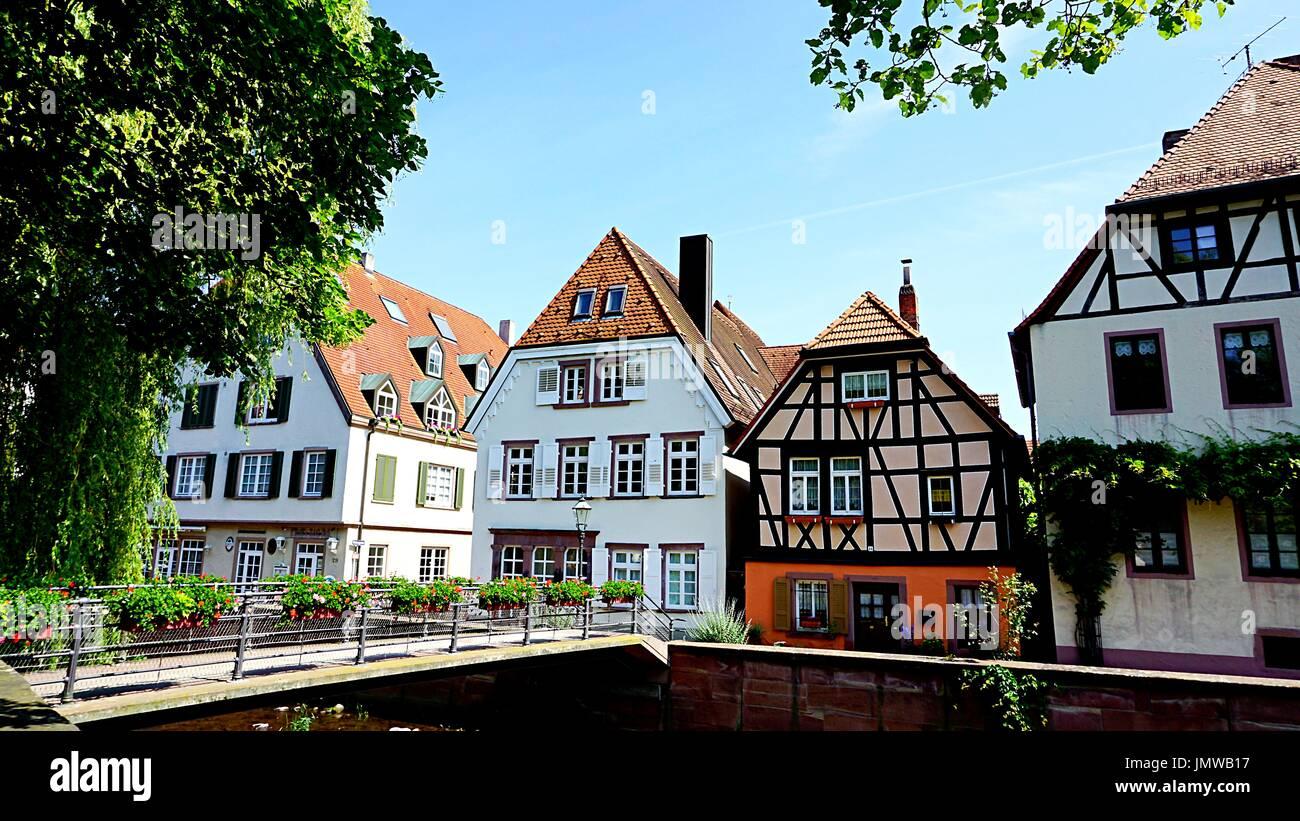 Typisch Deutsch Gehause Gebaude In Ettlingen Baden Wurttemberg Deutschland Stockfotografie Alamy