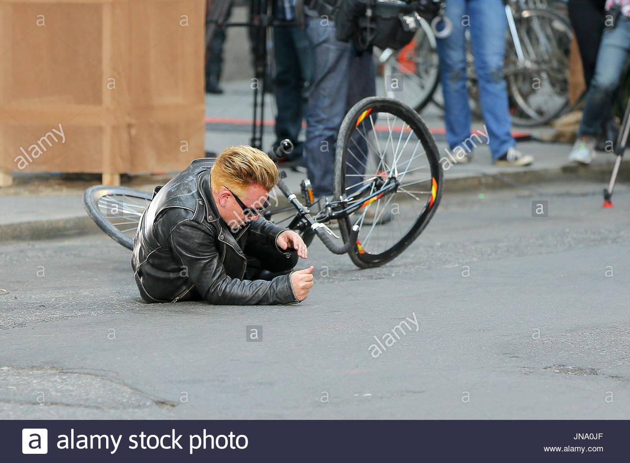 Bono. Bono Filme Fahrrad Unfall Szenen für \