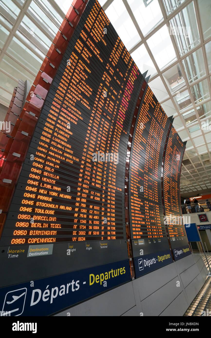 Airport paris charles de gaulle stockfotos airport paris charles de gaulle bilder alamy - Bureau de change charles de gaulle ...