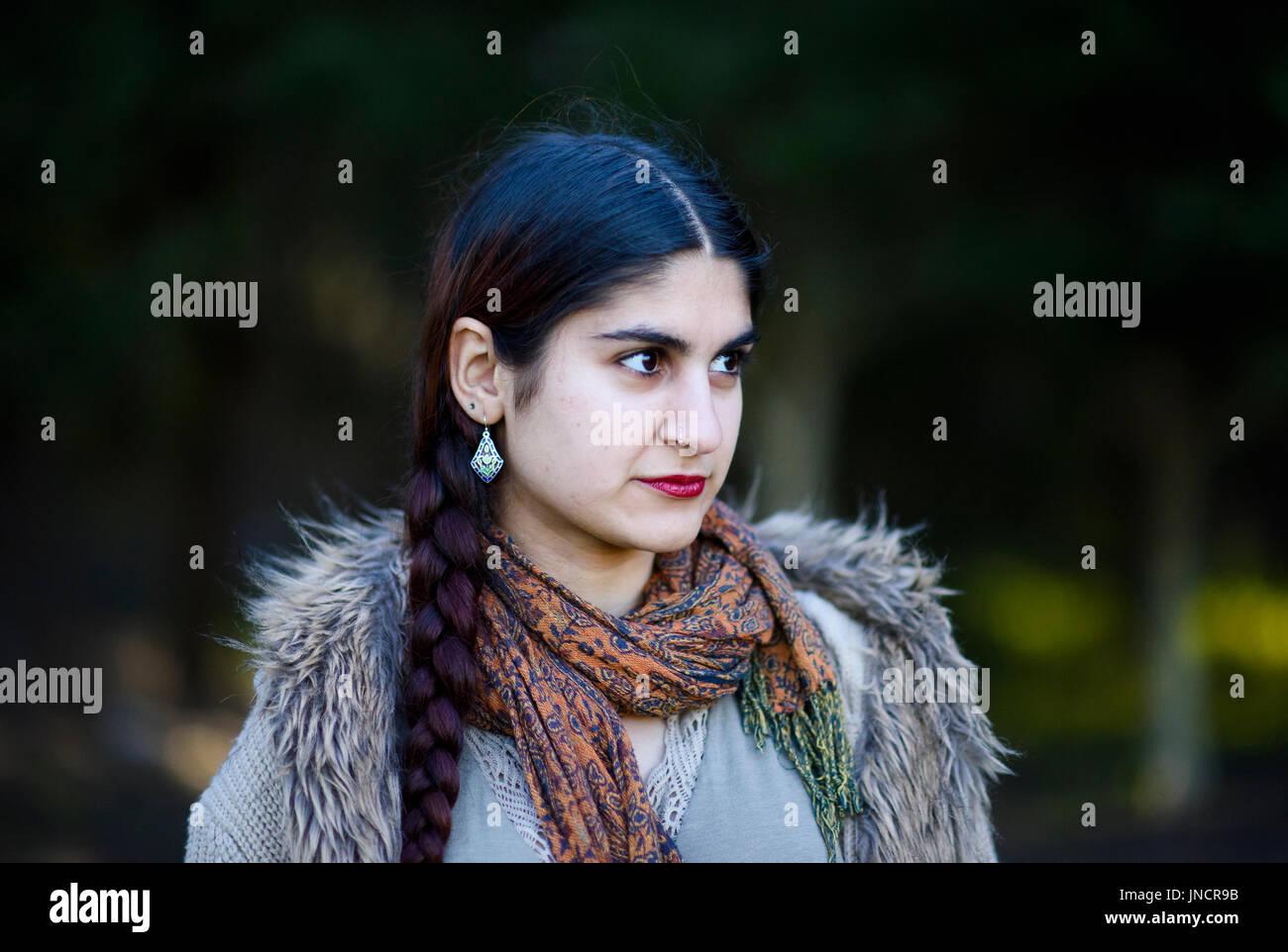 Persisches Mädchen aus Schwarz Fortgeschrittene Dating-Strategien einloggen